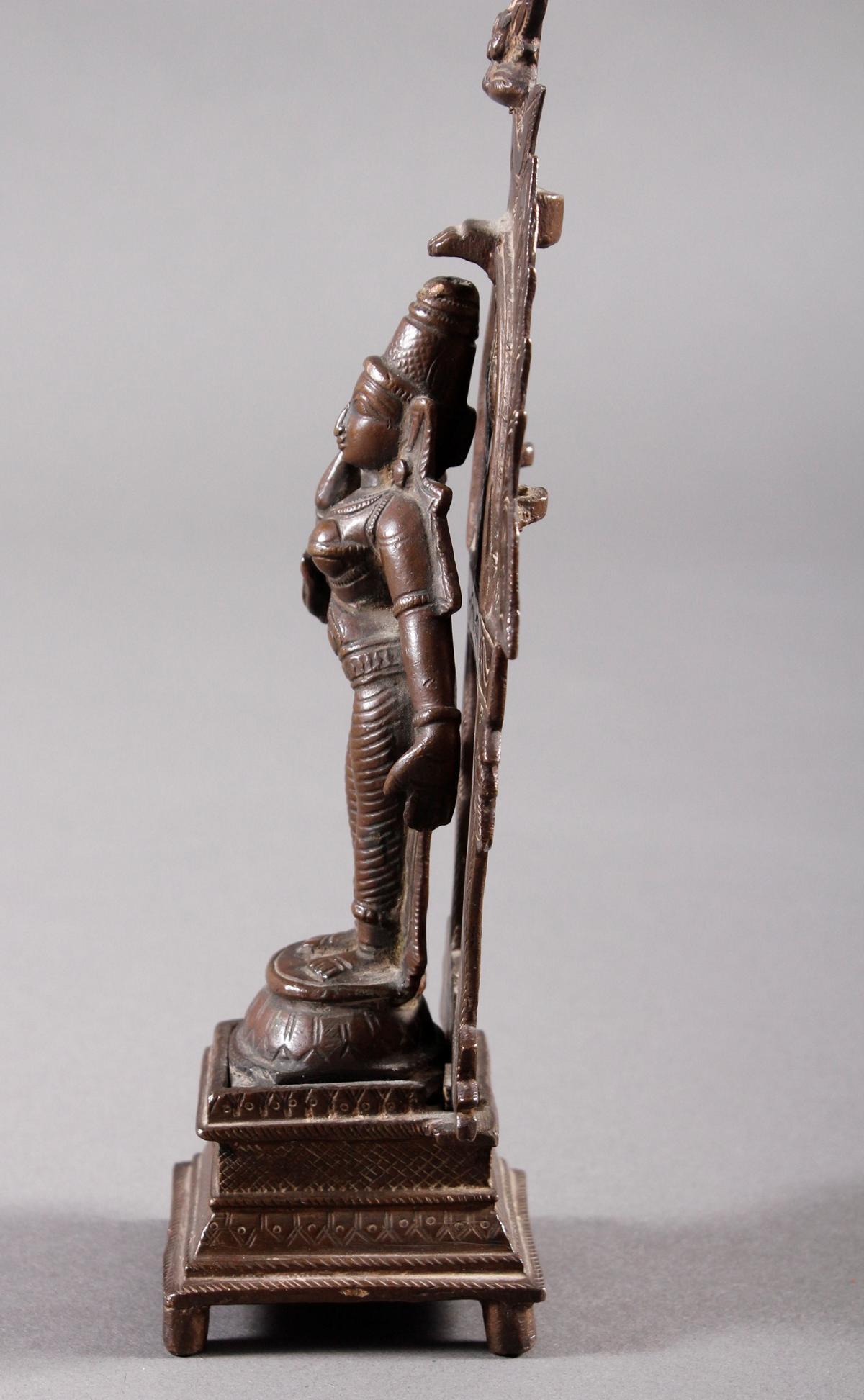Bronze, Hinduistische Gottheit, Indien, 18. / 19. Jahrhundert-5