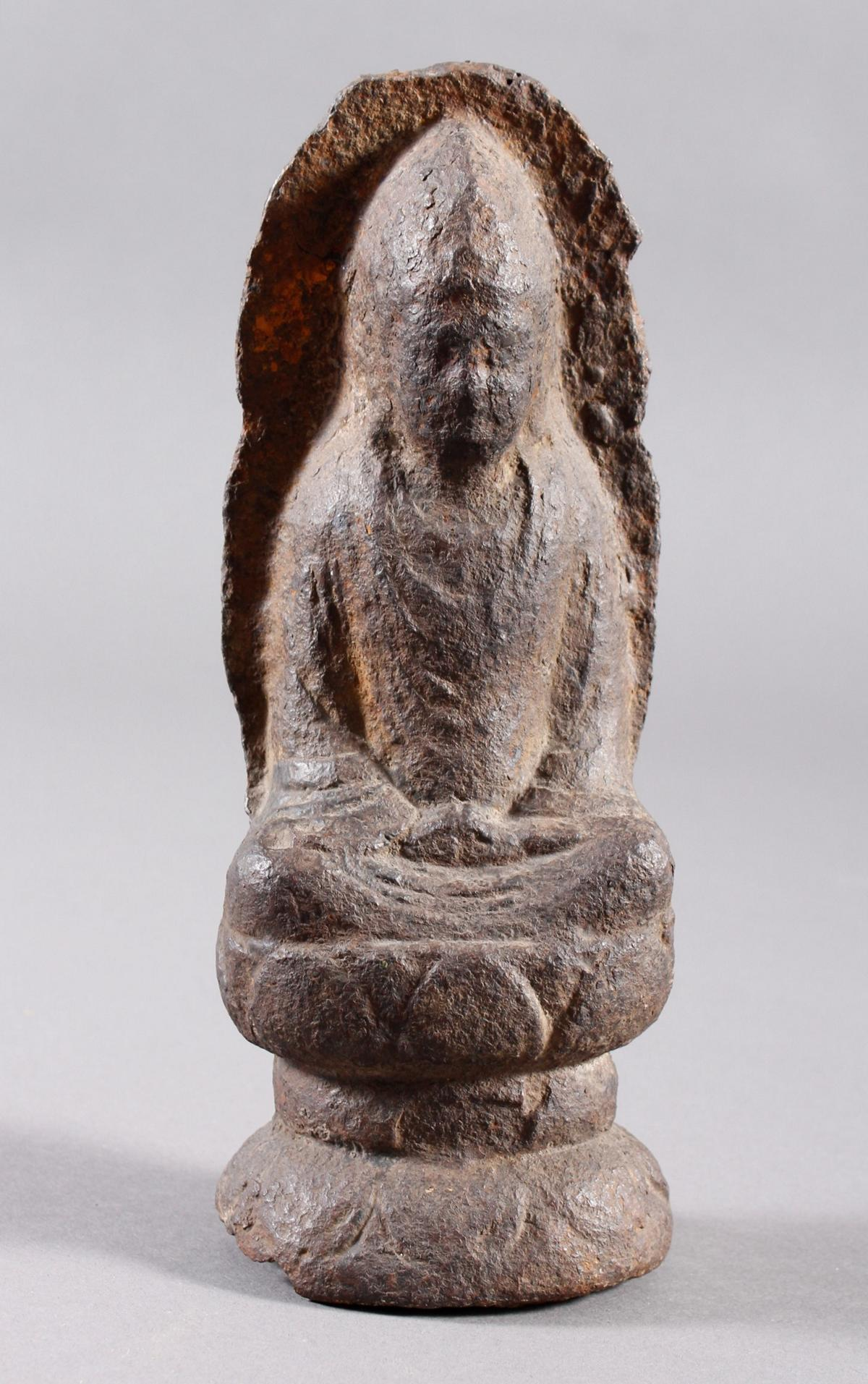 Eisen Buddha, China oder Tibet, 14. / 16. Jahrhundert