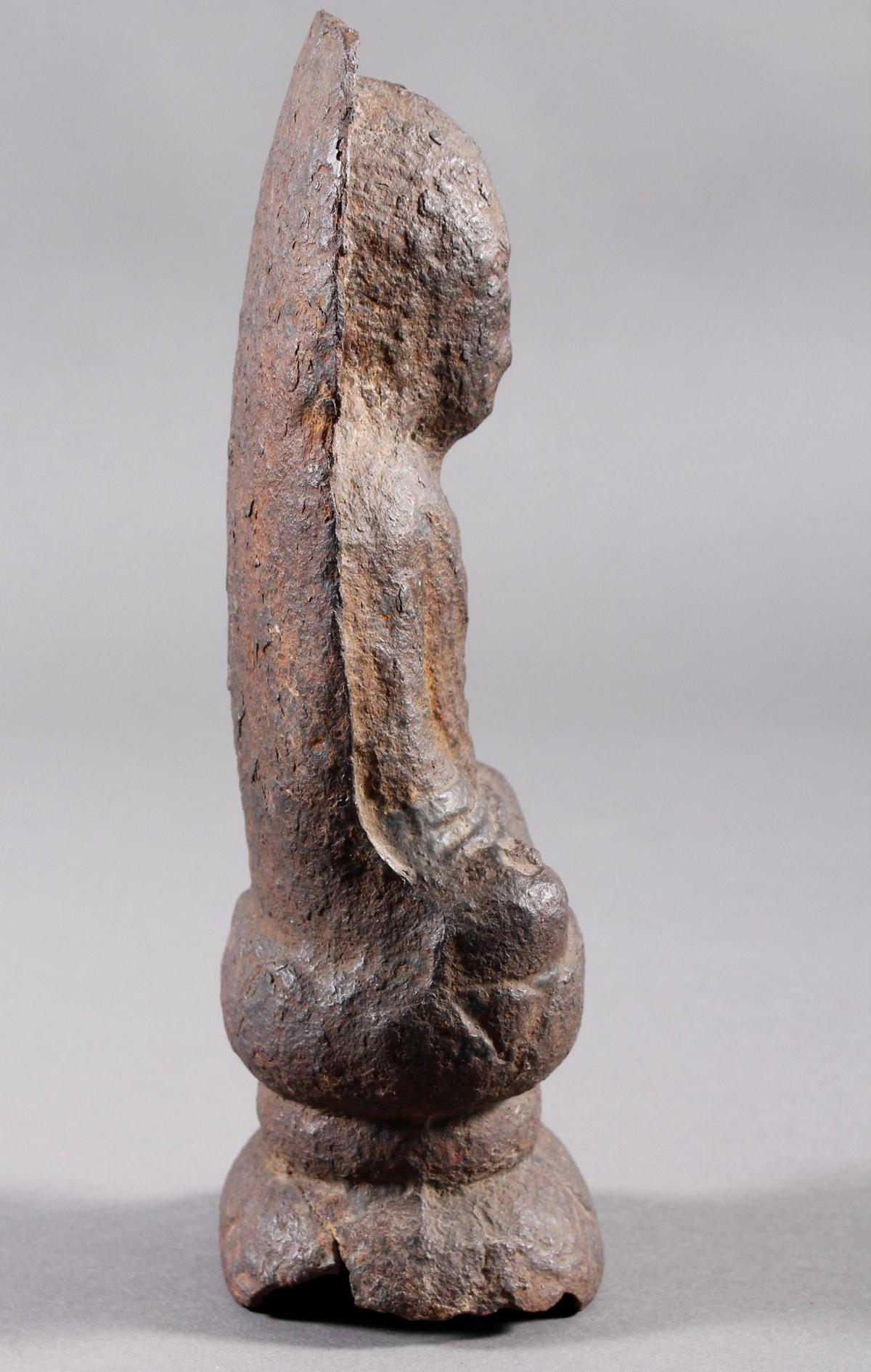 Eisen Buddha, China oder Tibet, 14. / 16. Jahrhundert-3