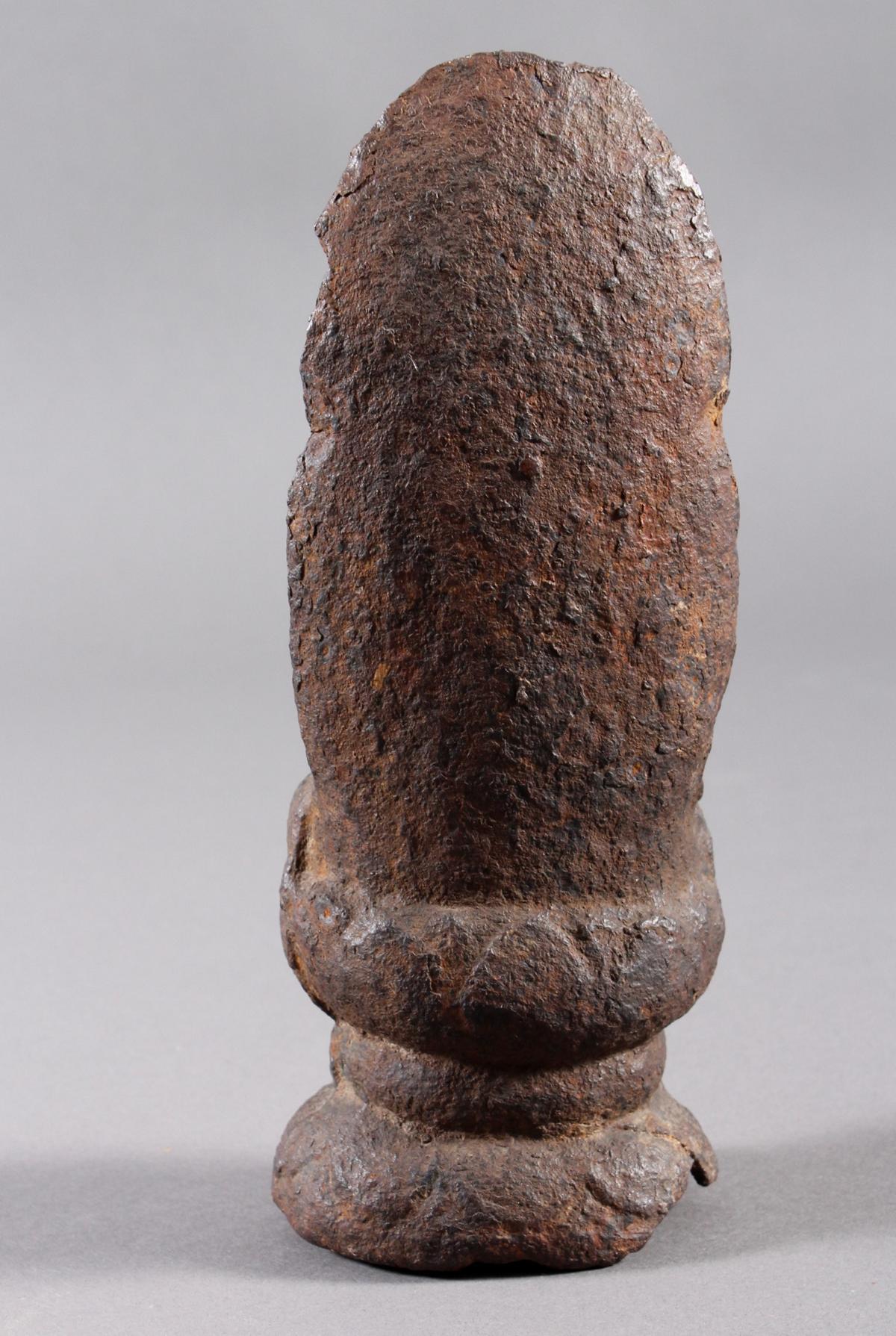 Eisen Buddha, China oder Tibet, 14. / 16. Jahrhundert-5