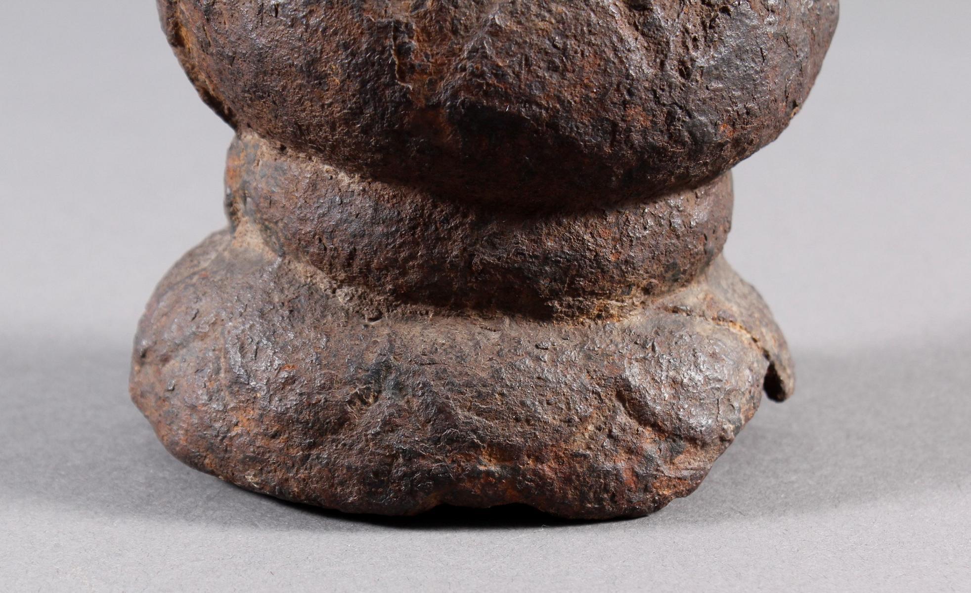 Eisen Buddha, China oder Tibet, 14. / 16. Jahrhundert-6