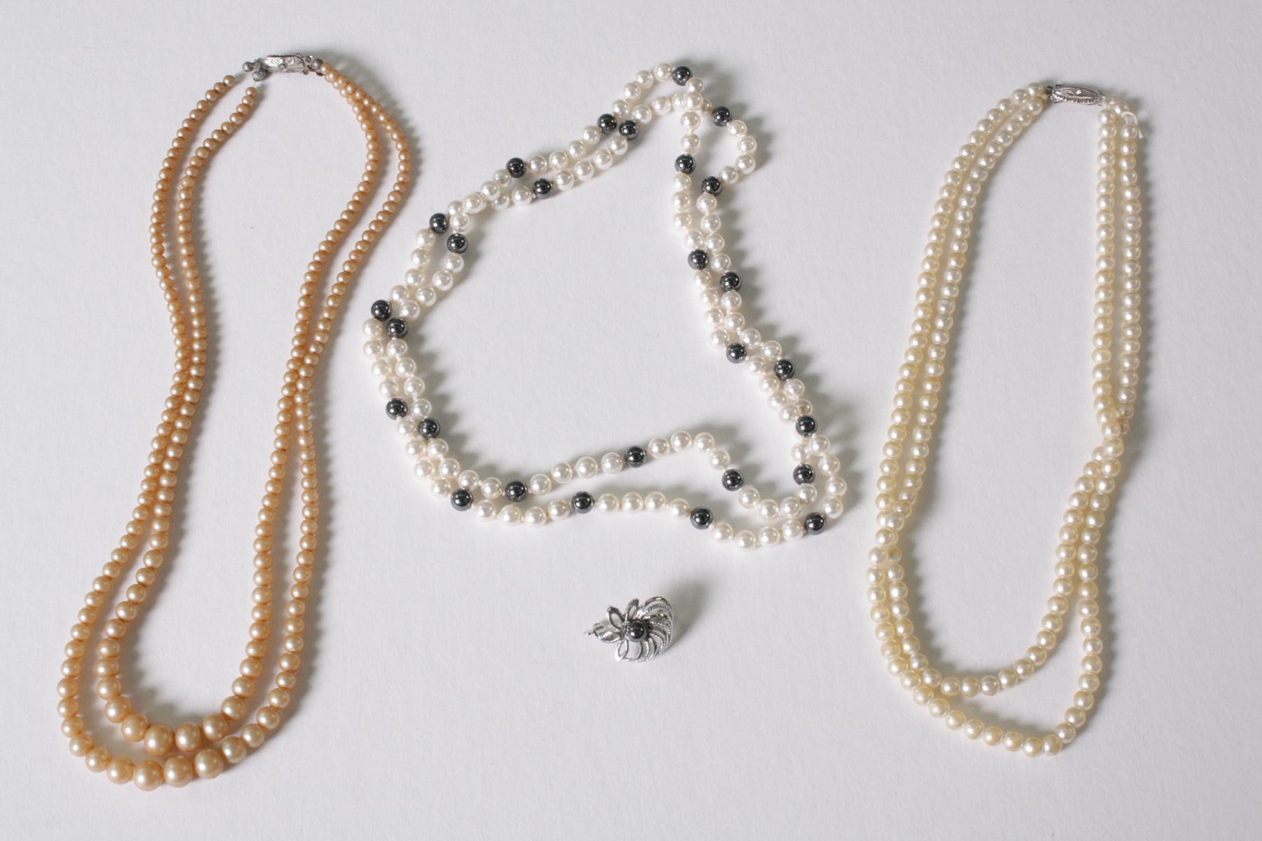 3 Perlenketten mit Silberschließe