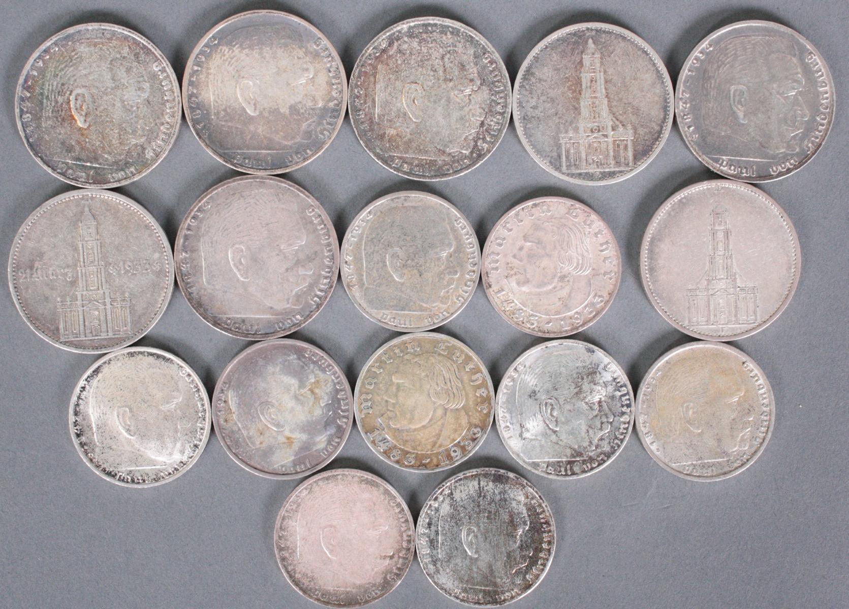 17 2 Reichsmark und 5 Reichsmark Silbermünzen