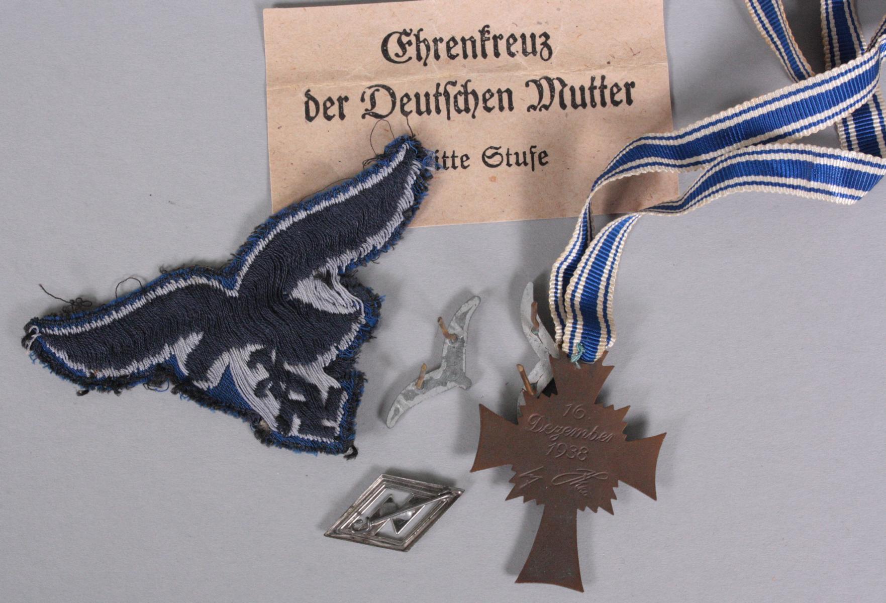Uniformteile Luftwaffe Drittes Reich und Mutterkreuz-2