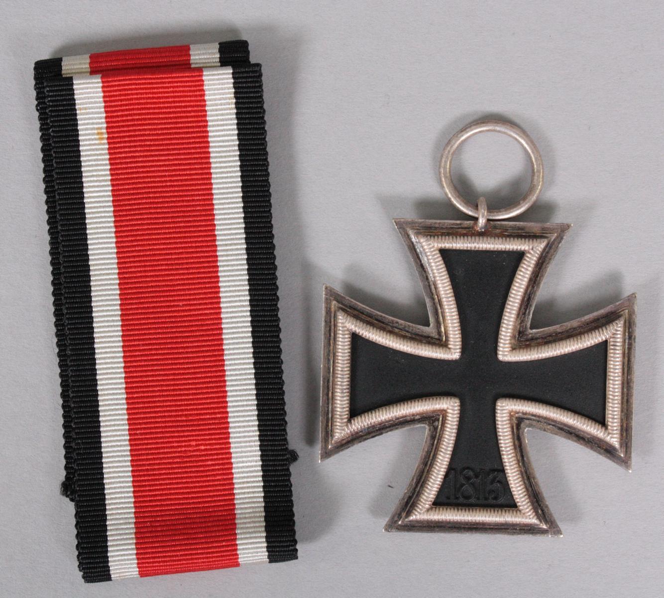 Eisernes Kreuz 2. Klasse 1939 mit Band-2