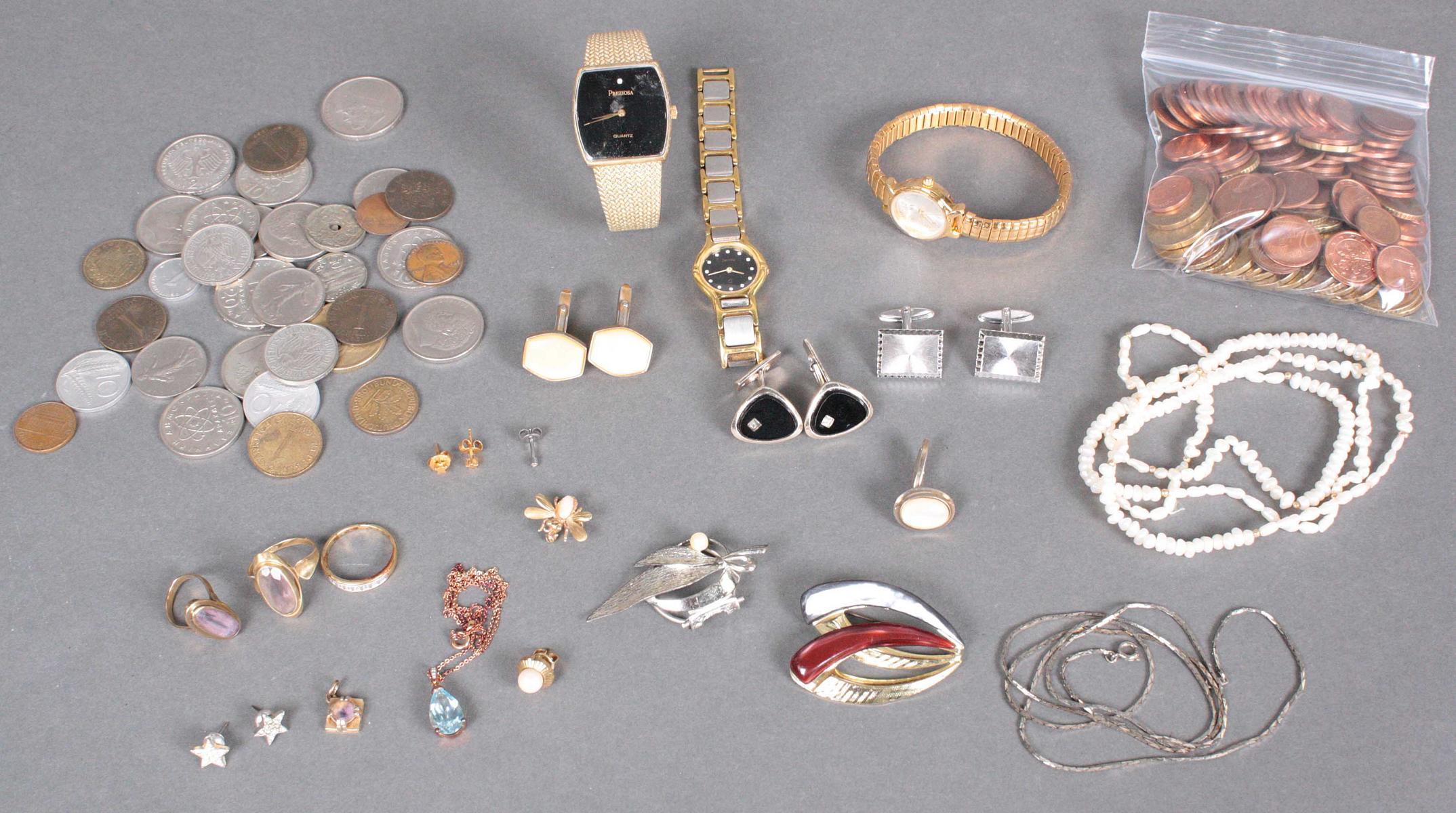 Nachlass aus Schmuck, Modeschmuck und Münzen