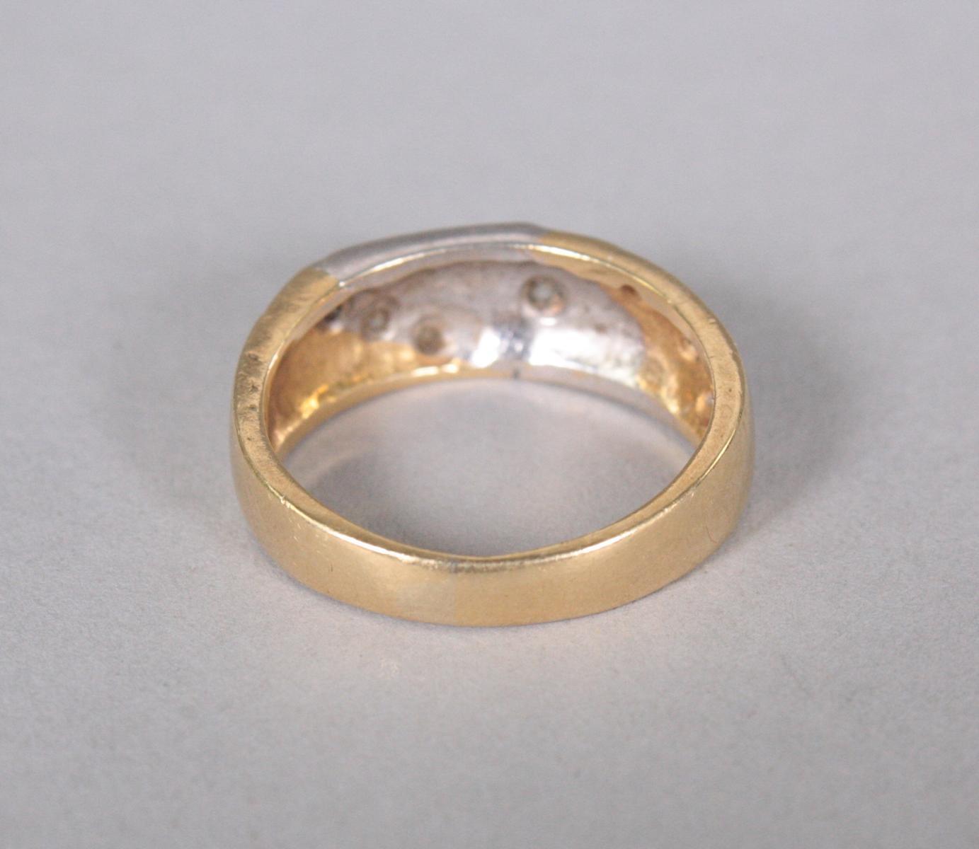 Damenring mit Diamanten, 18 Karat Gelbgold-2