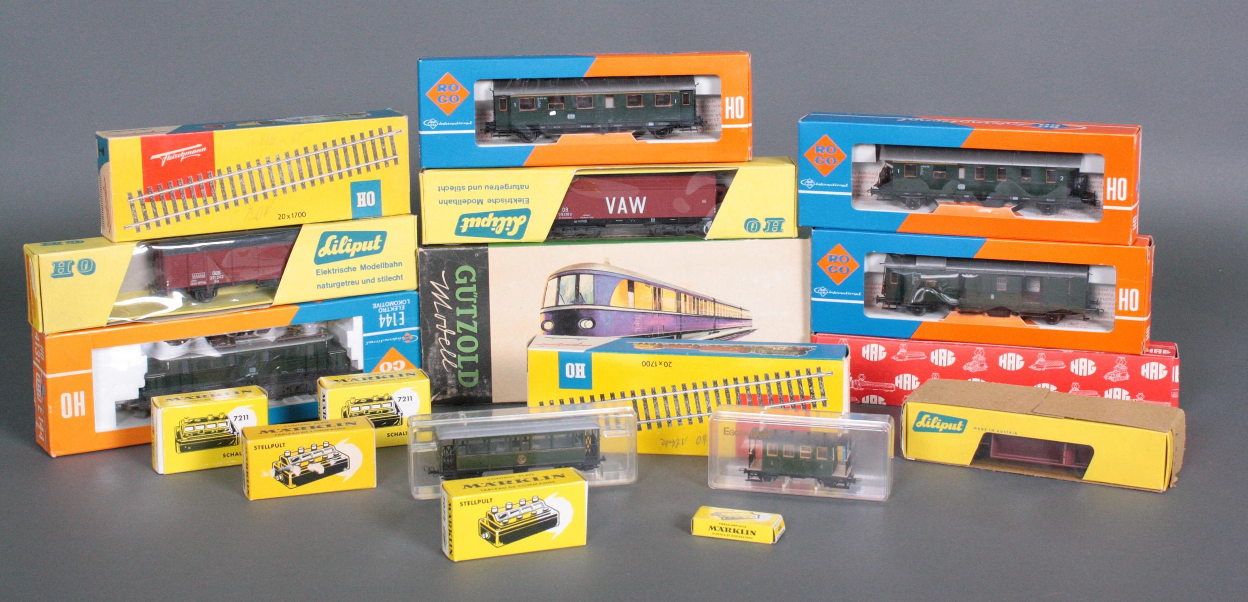 Konvolut Eisenbahn Spur HO, teils neuwertig und in den original Verpackungen