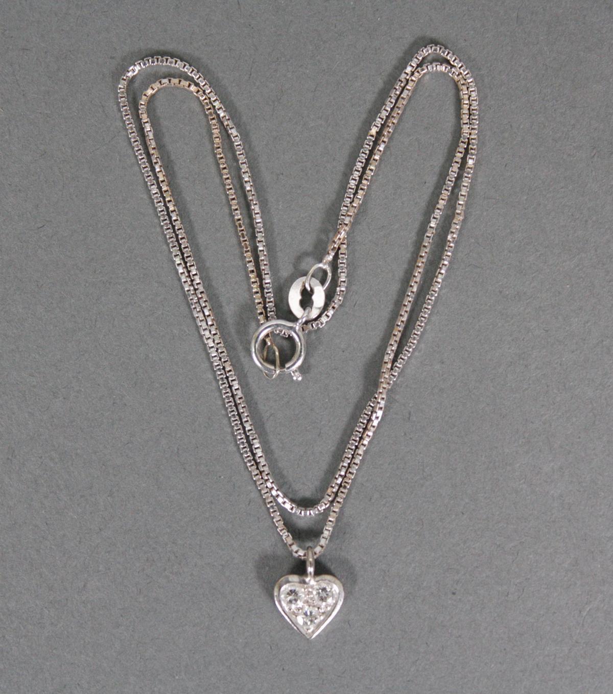 Kette mit Diamantanhänger in Herzform, 14 Karat Weißgold
