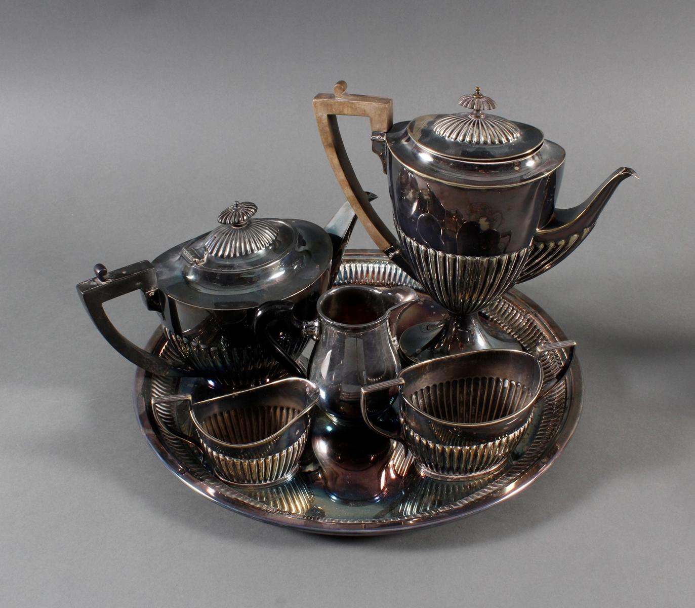 Konvolut versilberte Keffee- und Teekerne auf Tablett-2