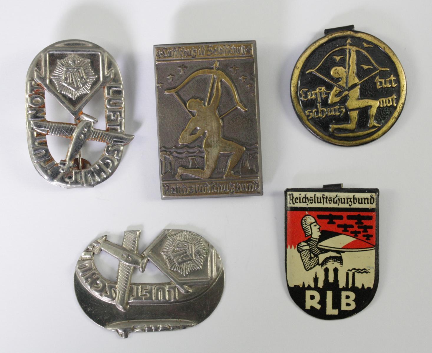 Kleinabzeichen Thema Luftschutz, RLB – Reichsluftschutzbund