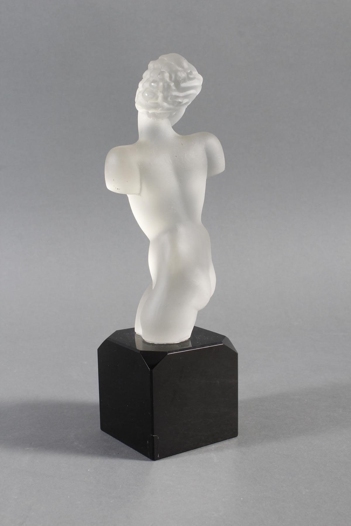 Glasskulptur, Frauenakt auf Sockel, Böhmen um 1950-5