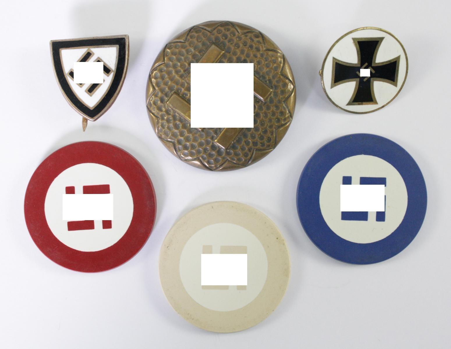Diverse Memorabilia Thema Hakenkreuz
