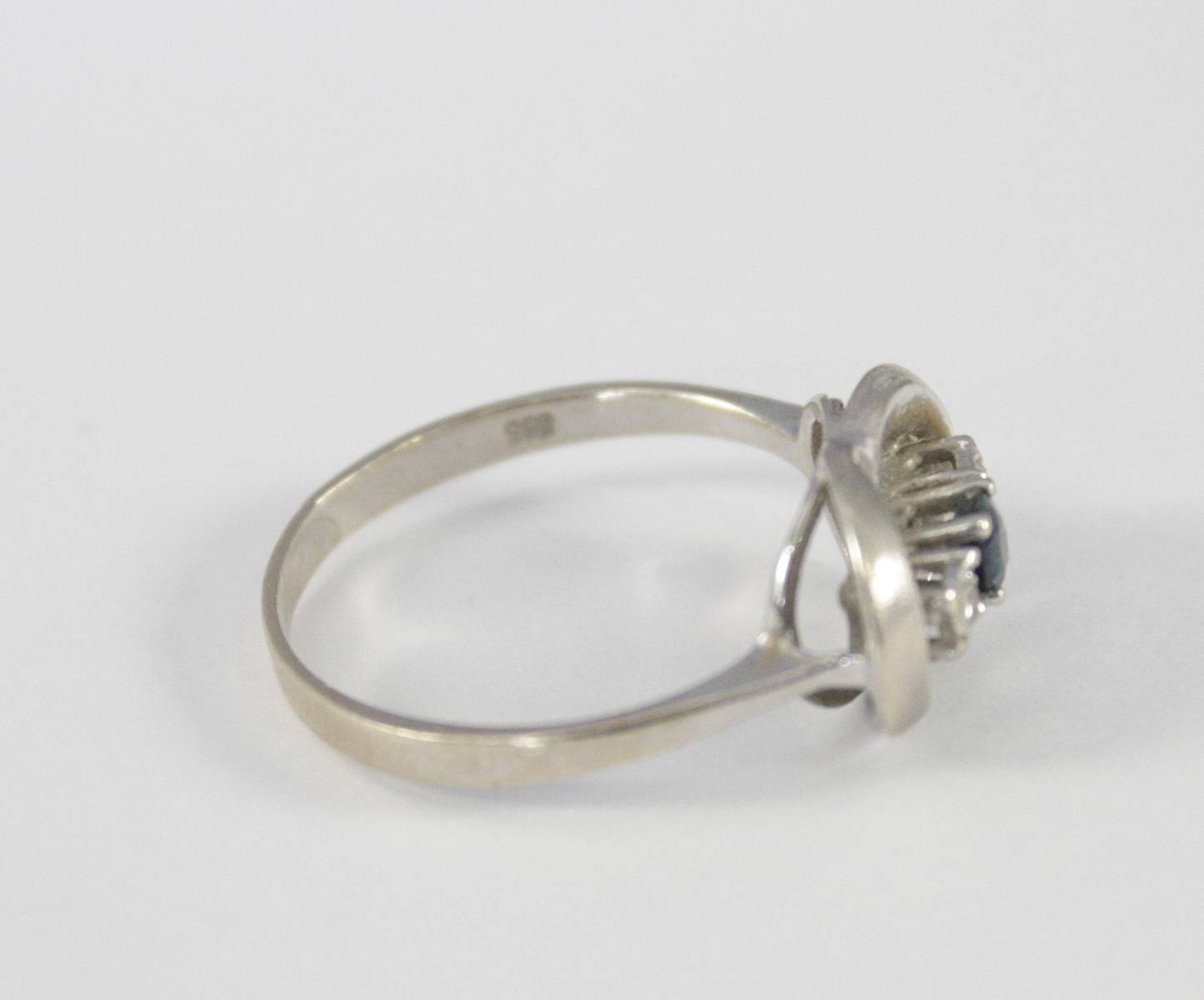 Damenring mit Saphir und Diamanten, 14 Karat Weißgold-2