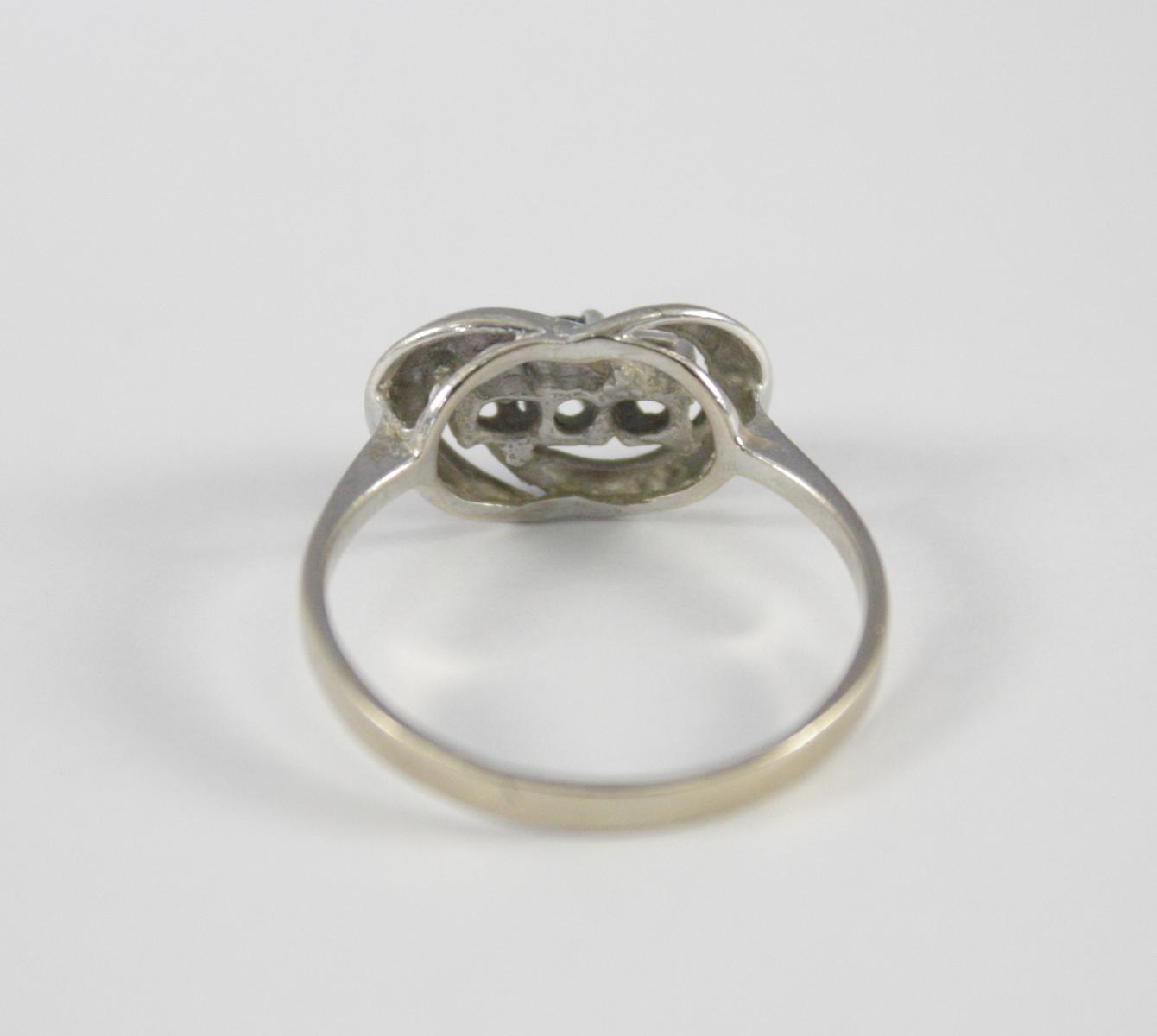 Damenring mit Saphir und Diamanten, 14 Karat Weißgold-3