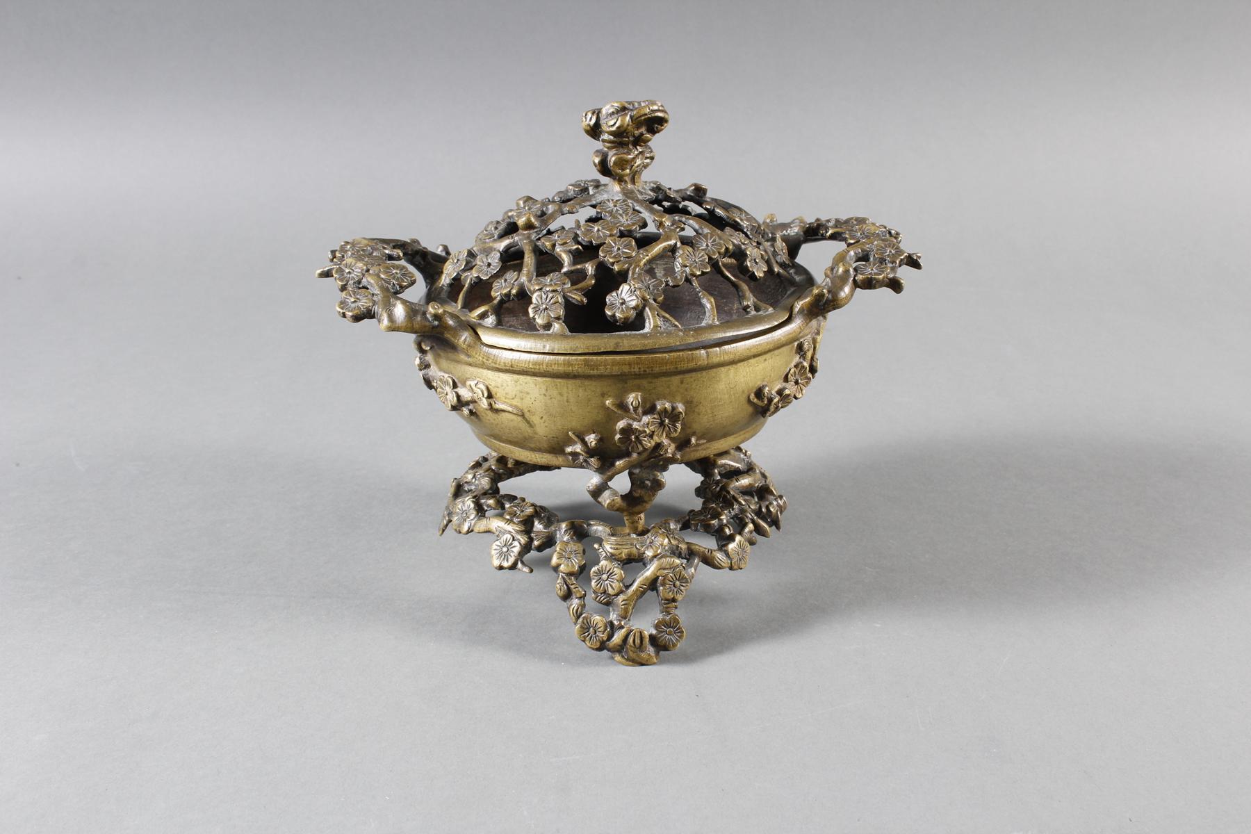 Dreiteiliger Bronze Koro, China 18. / 19. Jahrhundert