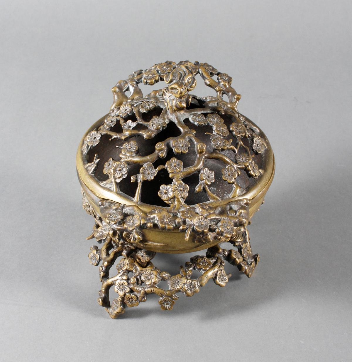Dreiteiliger Bronze Koro, China 18. / 19. Jahrhundert-3