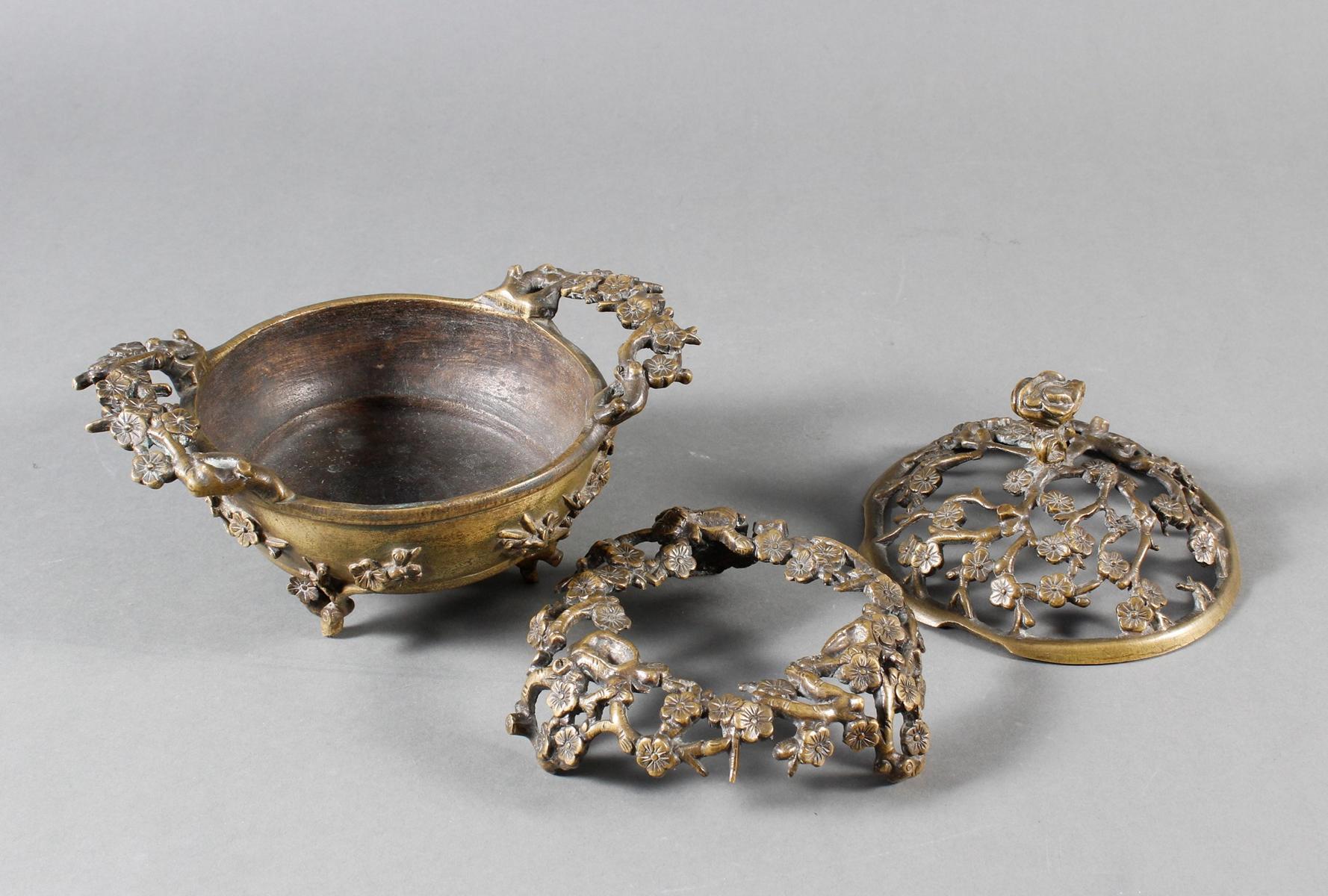 Dreiteiliger Bronze Koro, China 18. / 19. Jahrhundert-6