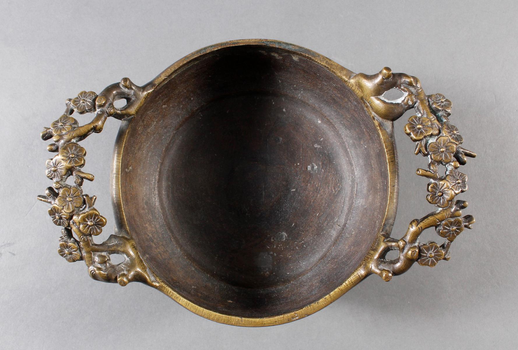 Dreiteiliger Bronze Koro, China 18. / 19. Jahrhundert-11