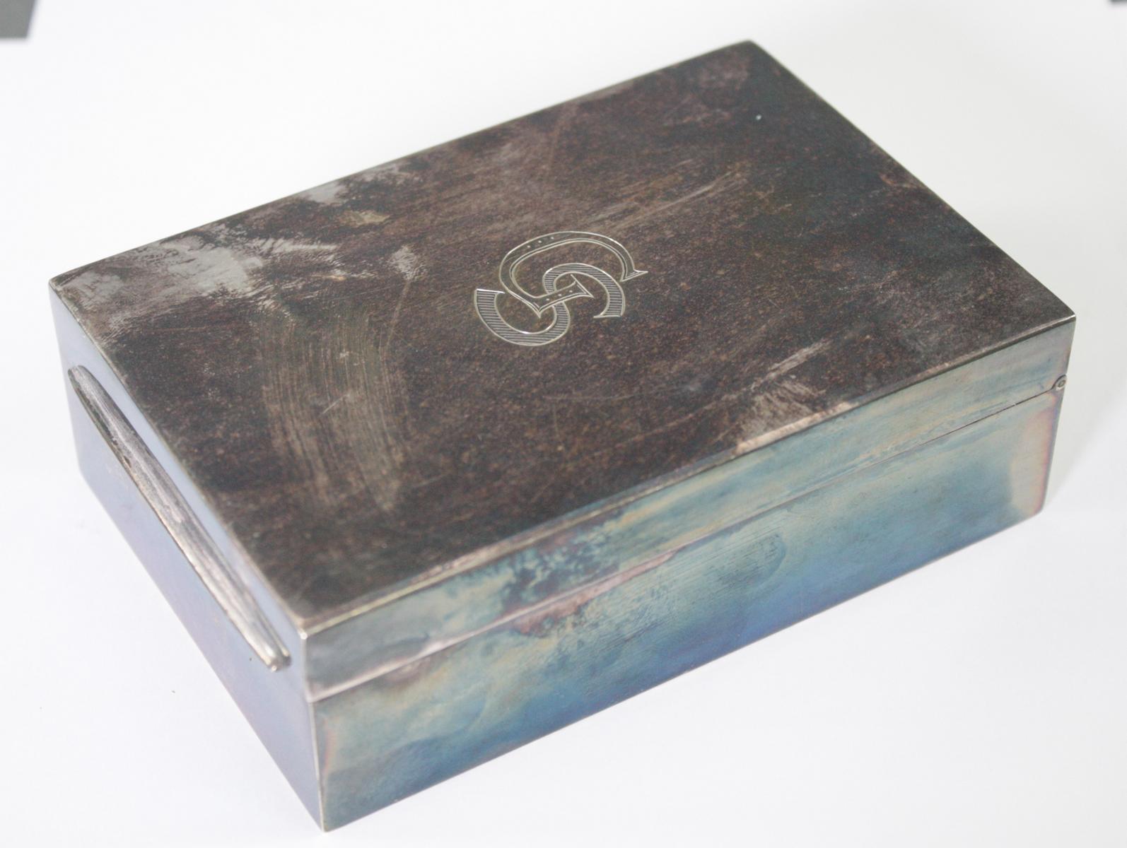 Silberne Deckeldose mit Monogramm GS, Zigarettendose-2