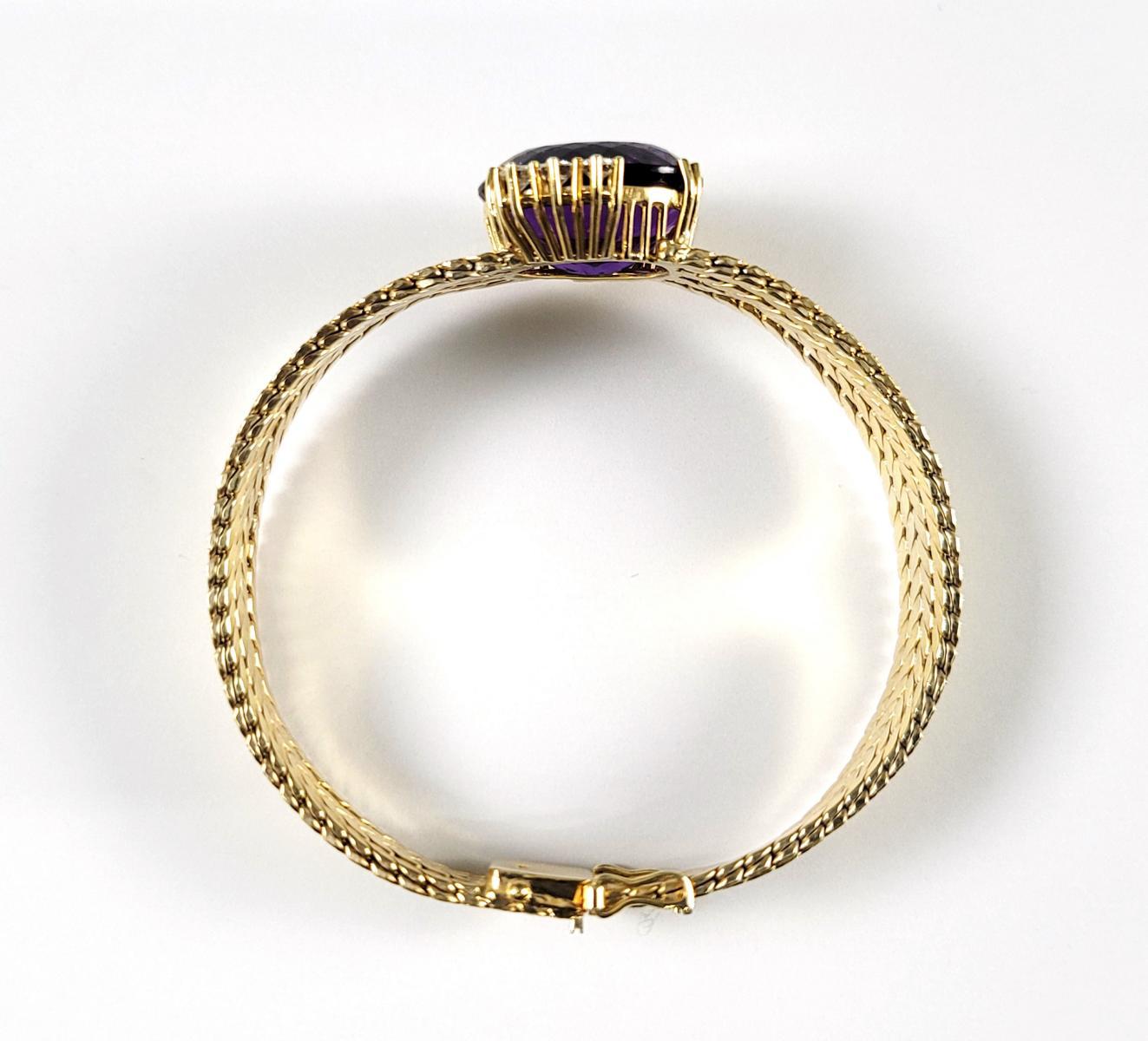 Damenarmband mit großem, facettierten Amethyst und Diamanten, 14 Karat Gelbgold-4