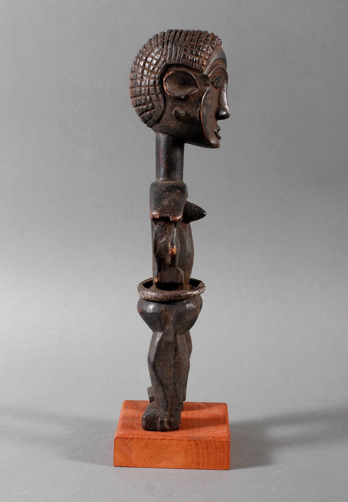 Seltene weibliche Ahnenskulpur der Azande, DR Kongo-2