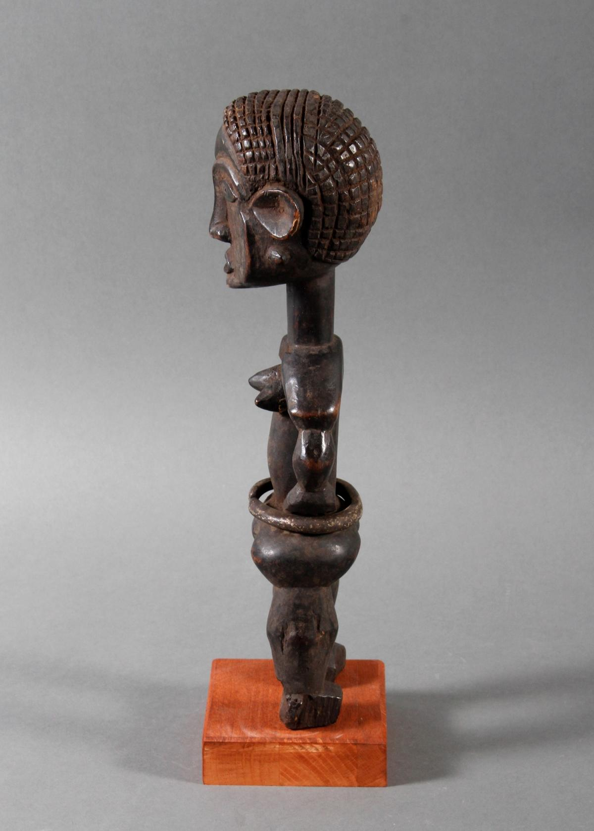 Seltene weibliche Ahnenskulpur der Azande, DR Kongo-5