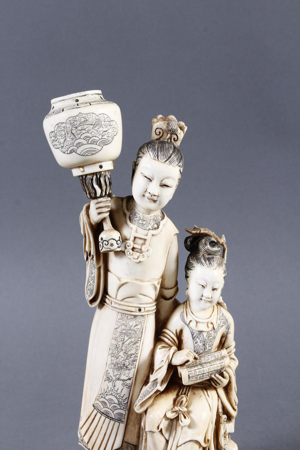 """Elfenbeinskulptur """"Hofdamen"""" detailreiche Schnitzerei, China 19. Jahrhundert-5"""