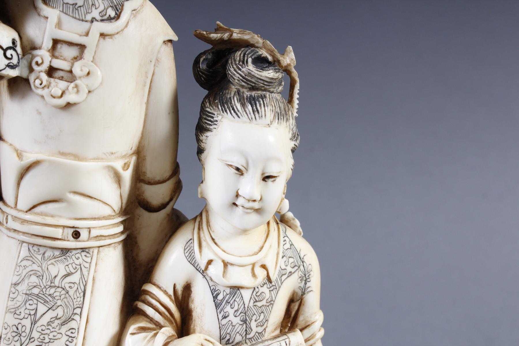 """Elfenbeinskulptur """"Hofdamen"""" detailreiche Schnitzerei, China 19. Jahrhundert-6"""