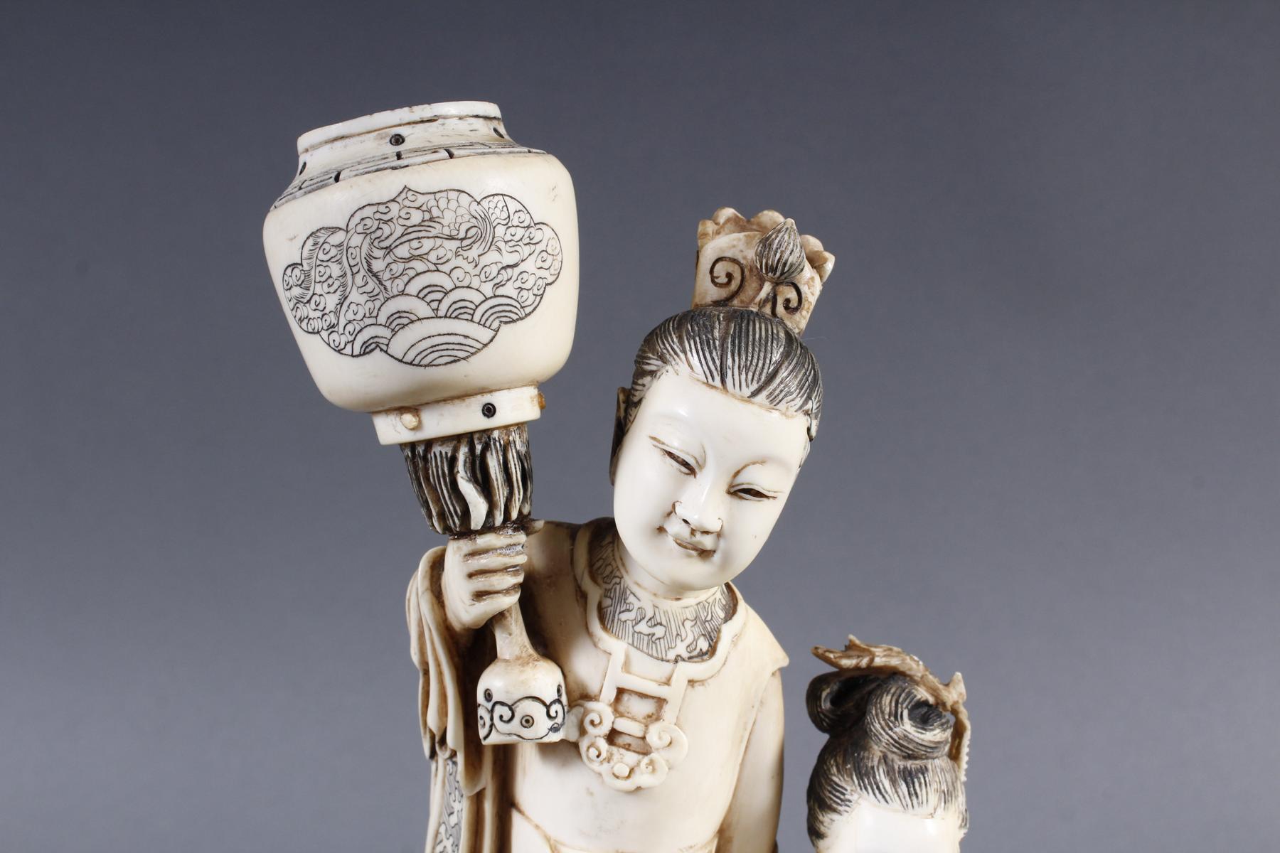 """Elfenbeinskulptur """"Hofdamen"""" detailreiche Schnitzerei, China 19. Jahrhundert-7"""