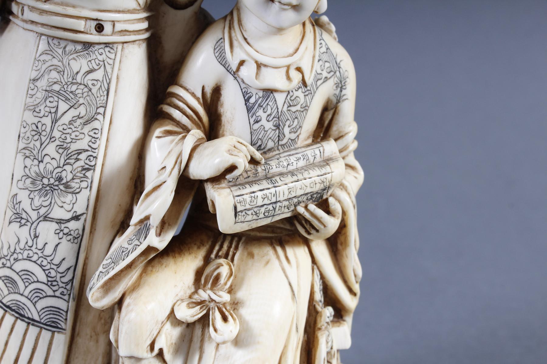 """Elfenbeinskulptur """"Hofdamen"""" detailreiche Schnitzerei, China 19. Jahrhundert-8"""