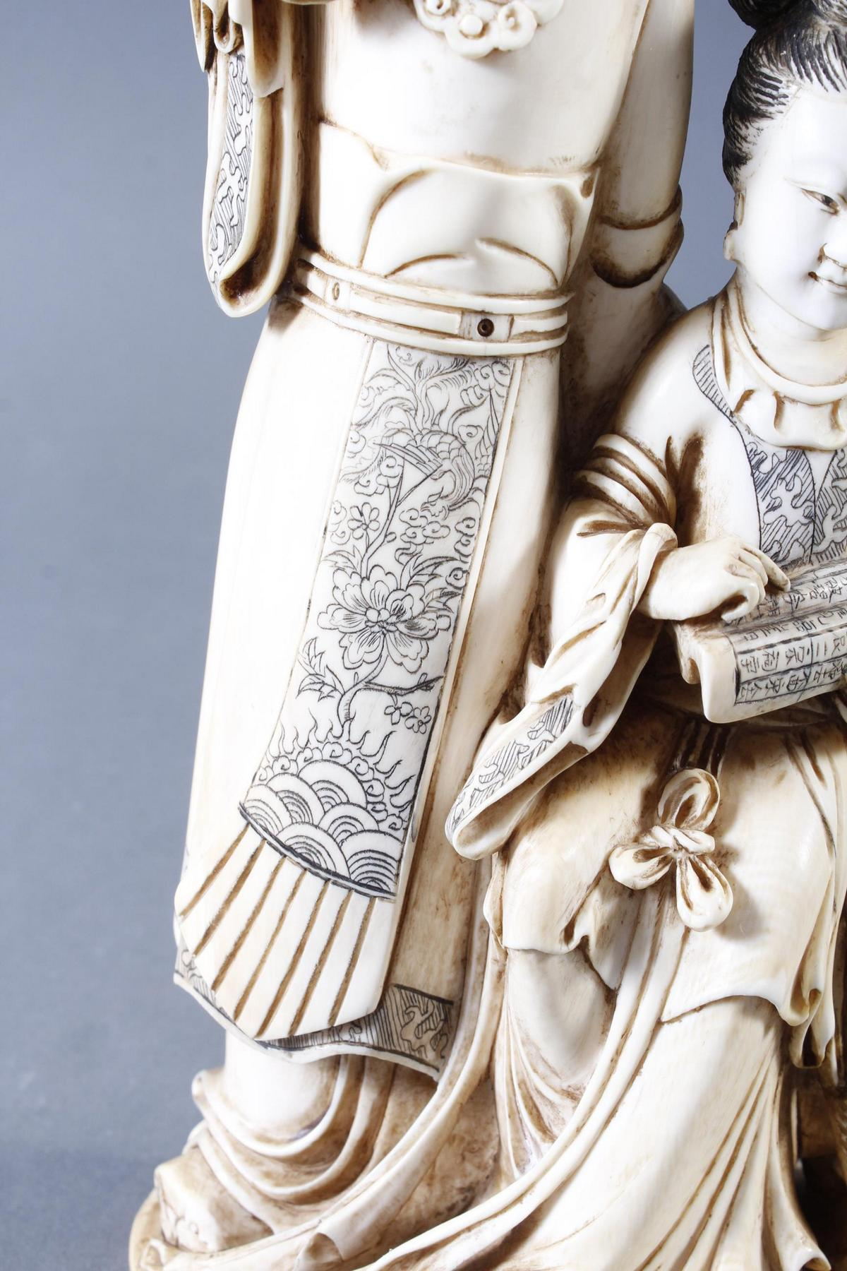 """Elfenbeinskulptur """"Hofdamen"""" detailreiche Schnitzerei, China 19. Jahrhundert-12"""