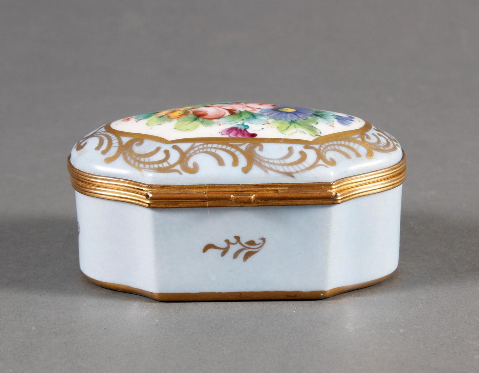 Limoges Frankreich, Handbemalte Porzellan-Pillendose, 1. Hälfte 20. Jahrhundert-4
