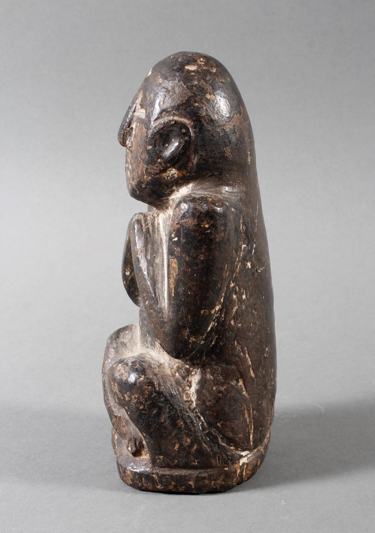 Steinskulptur eines betenden Quell-Geistes, Nepal 19. / 20. Jahrhundert-5