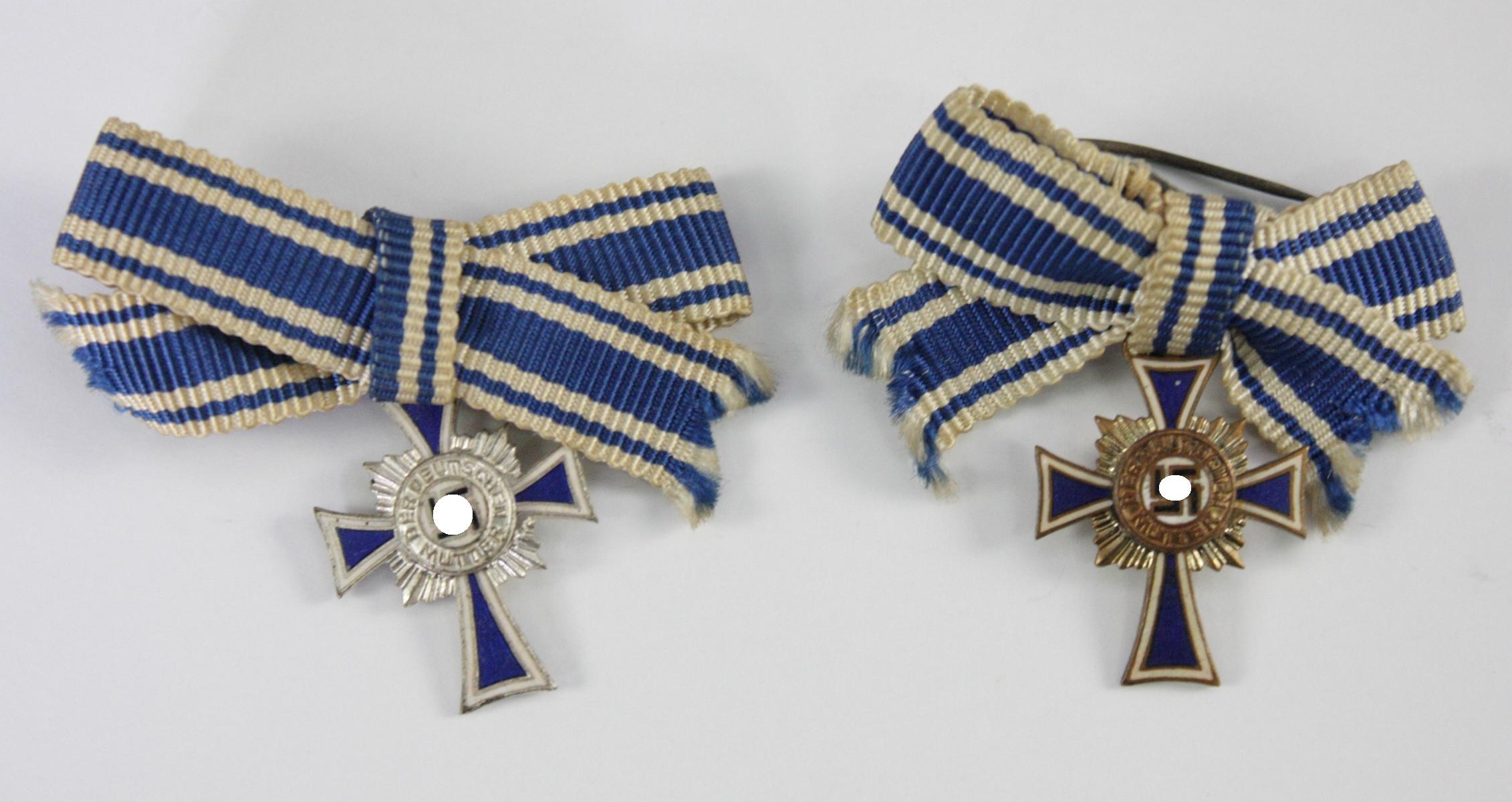 2 Miniaturen Mutterkreuz, Silber und Bronze