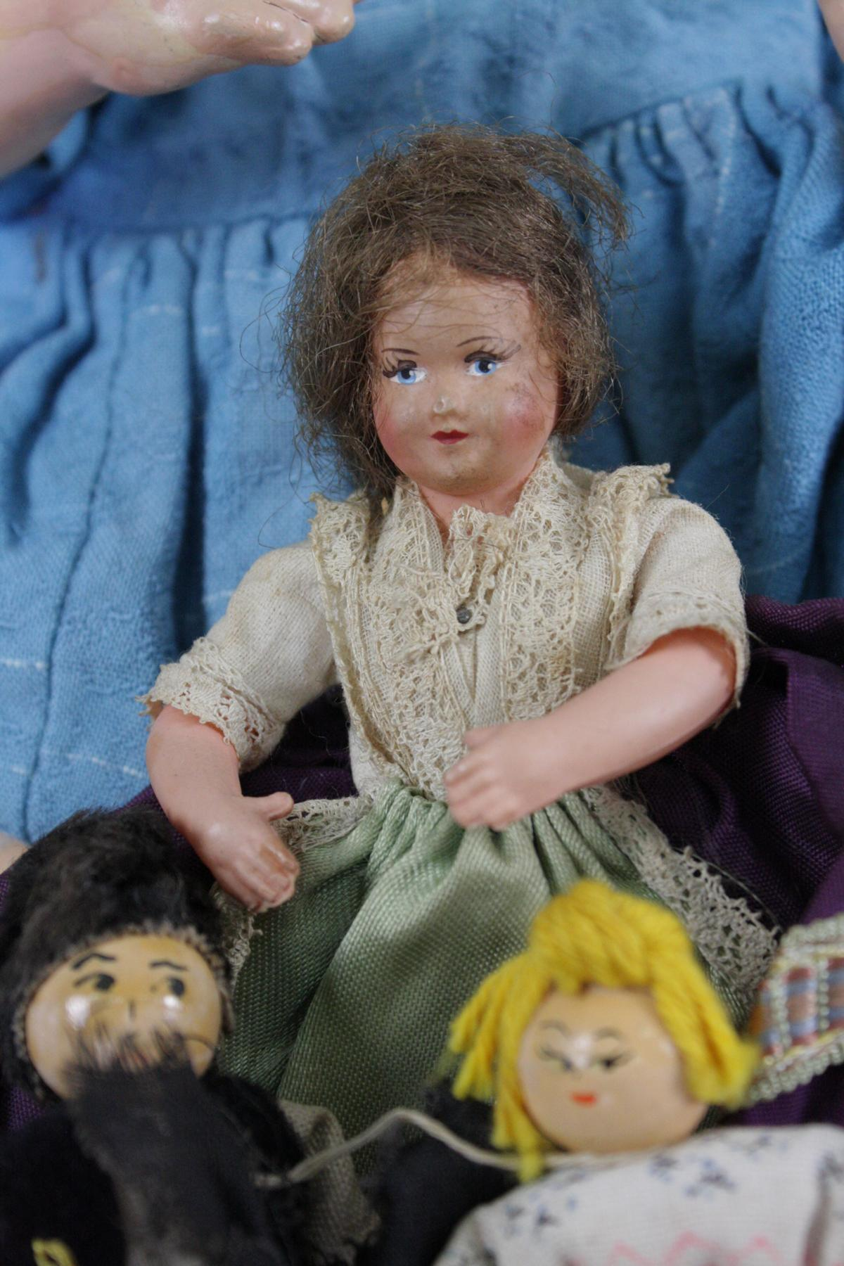 12 sehr alte Puppen, 1. Hälfte 20. Jahrhundert oder älter-3