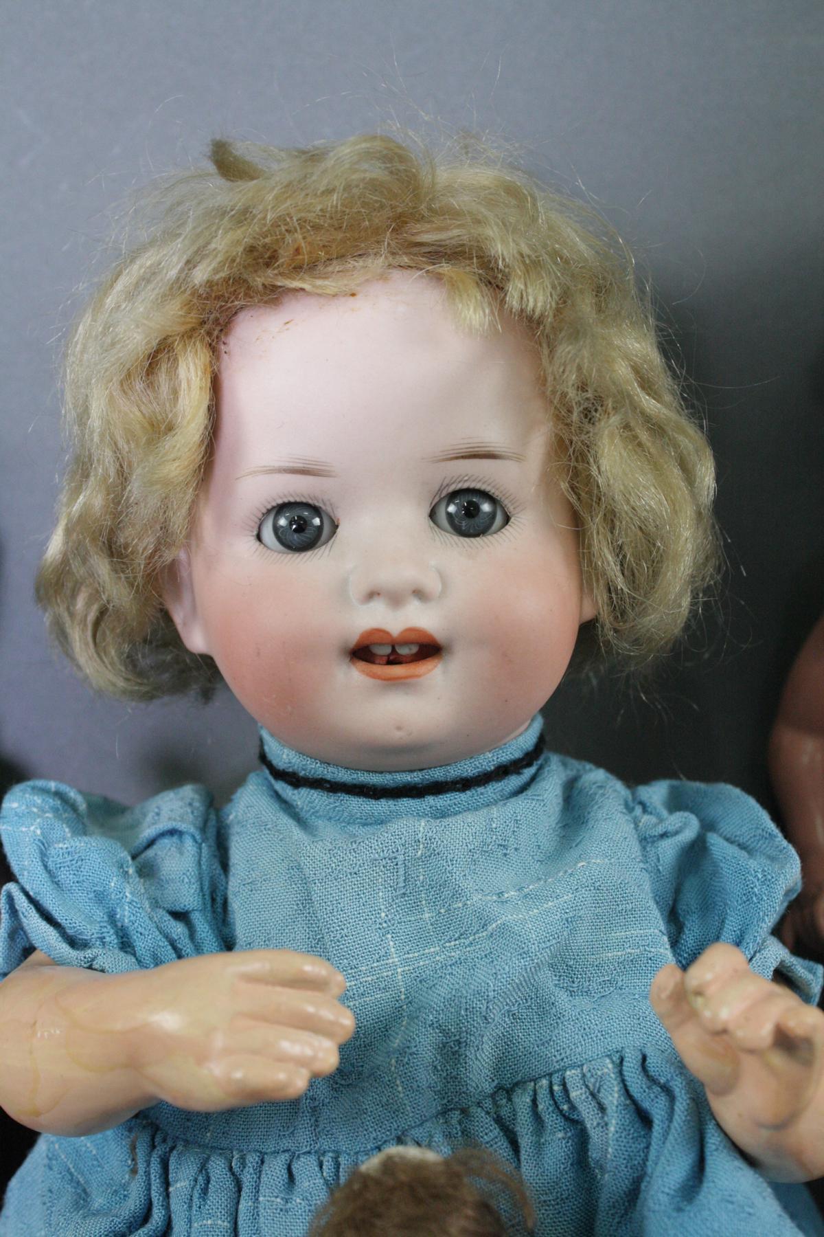 12 sehr alte Puppen, 1. Hälfte 20. Jahrhundert oder älter-4