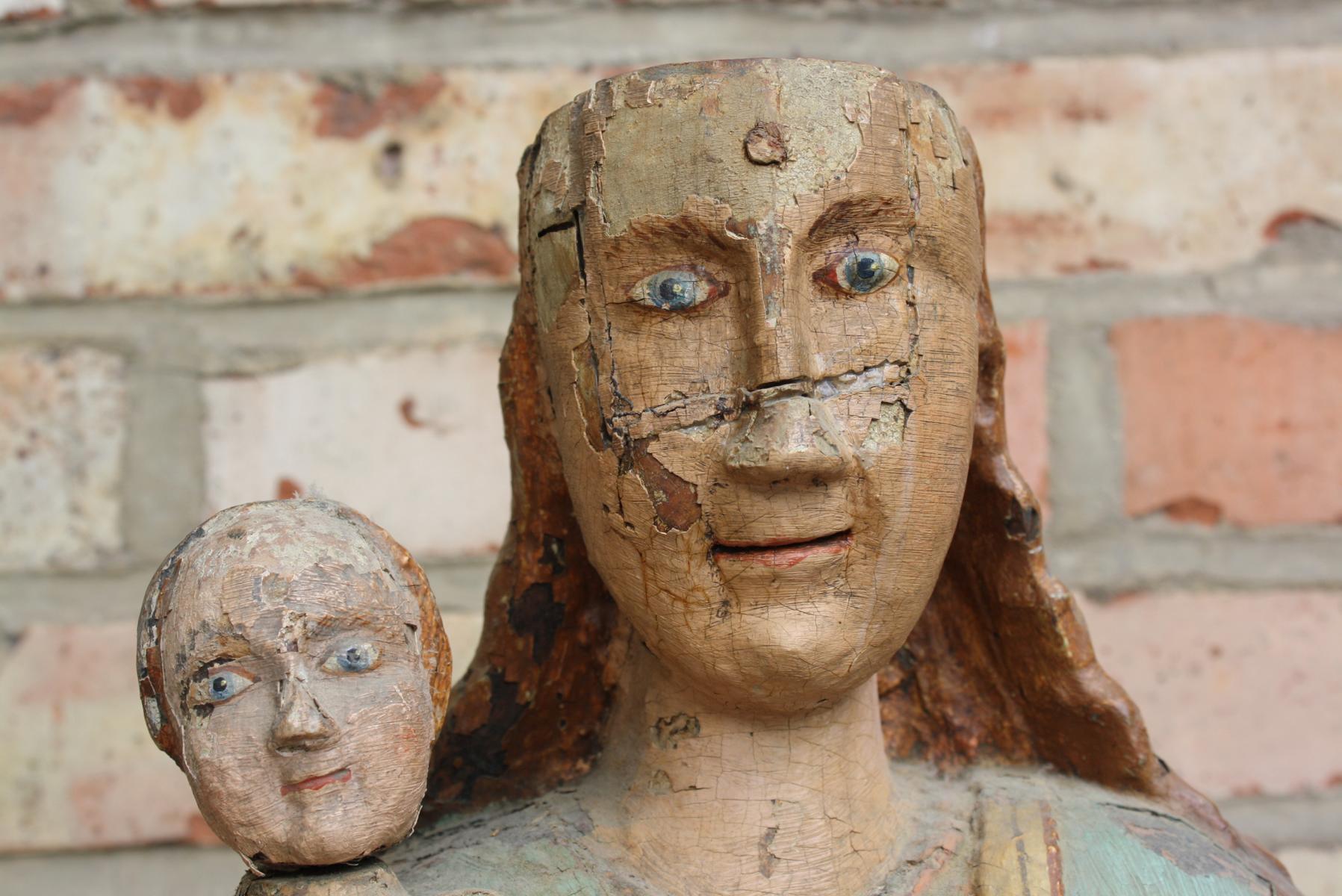 Madonna mit Kind und Weltkugel, wohl 15./16. Jahrhundert-2