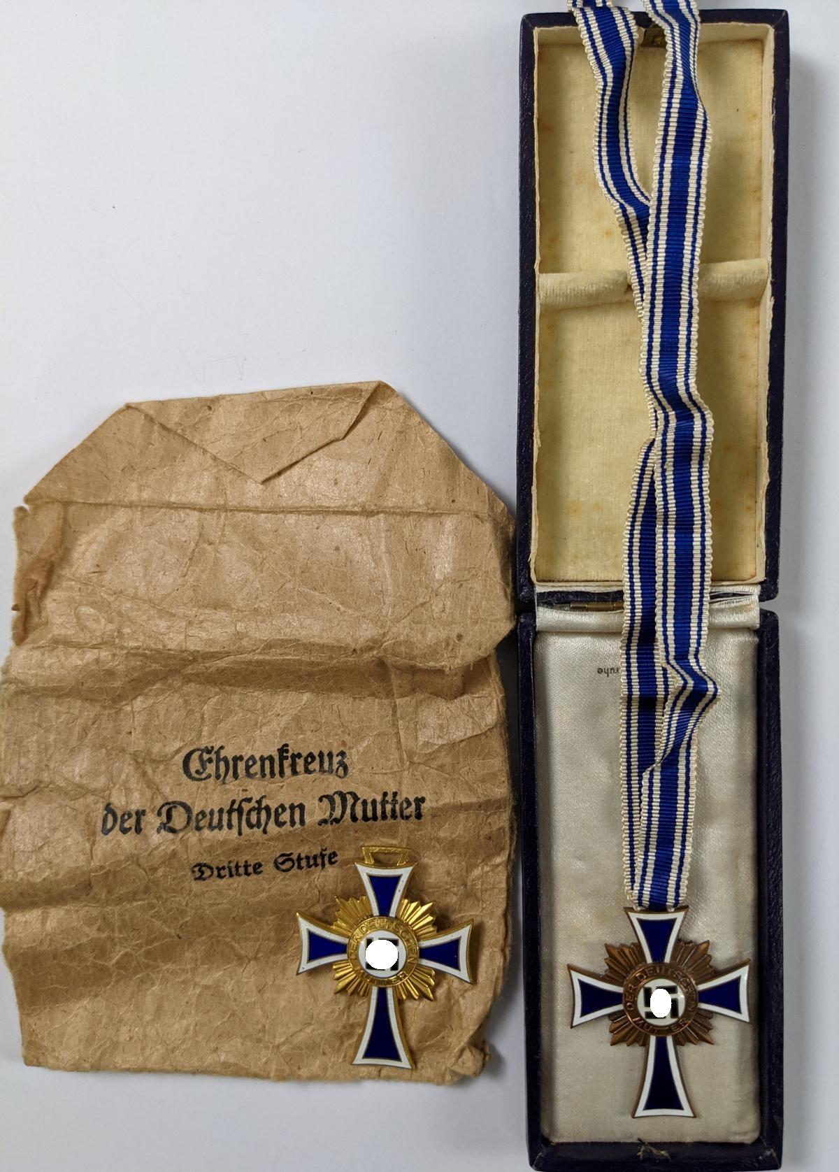 Ehrenkreuz der deutschen Mutter, Erster und Dritter Stufe