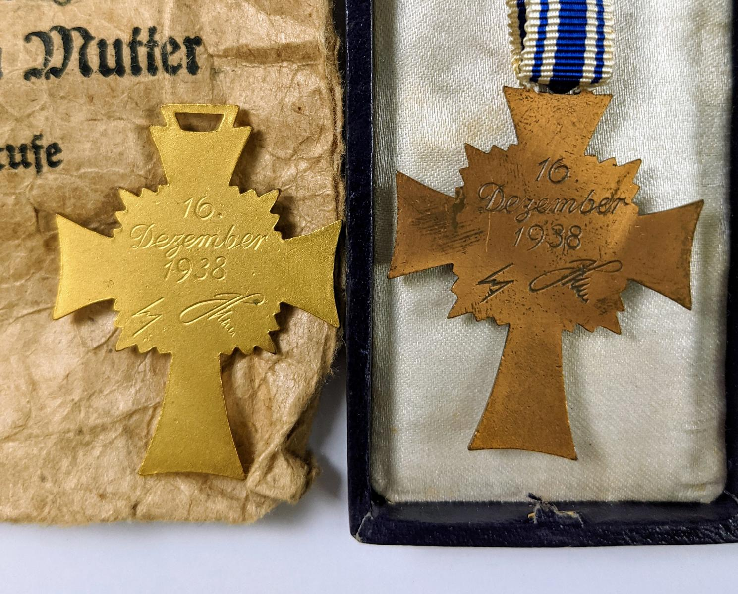Ehrenkreuz der deutschen Mutter, Erster und Dritter Stufe-2