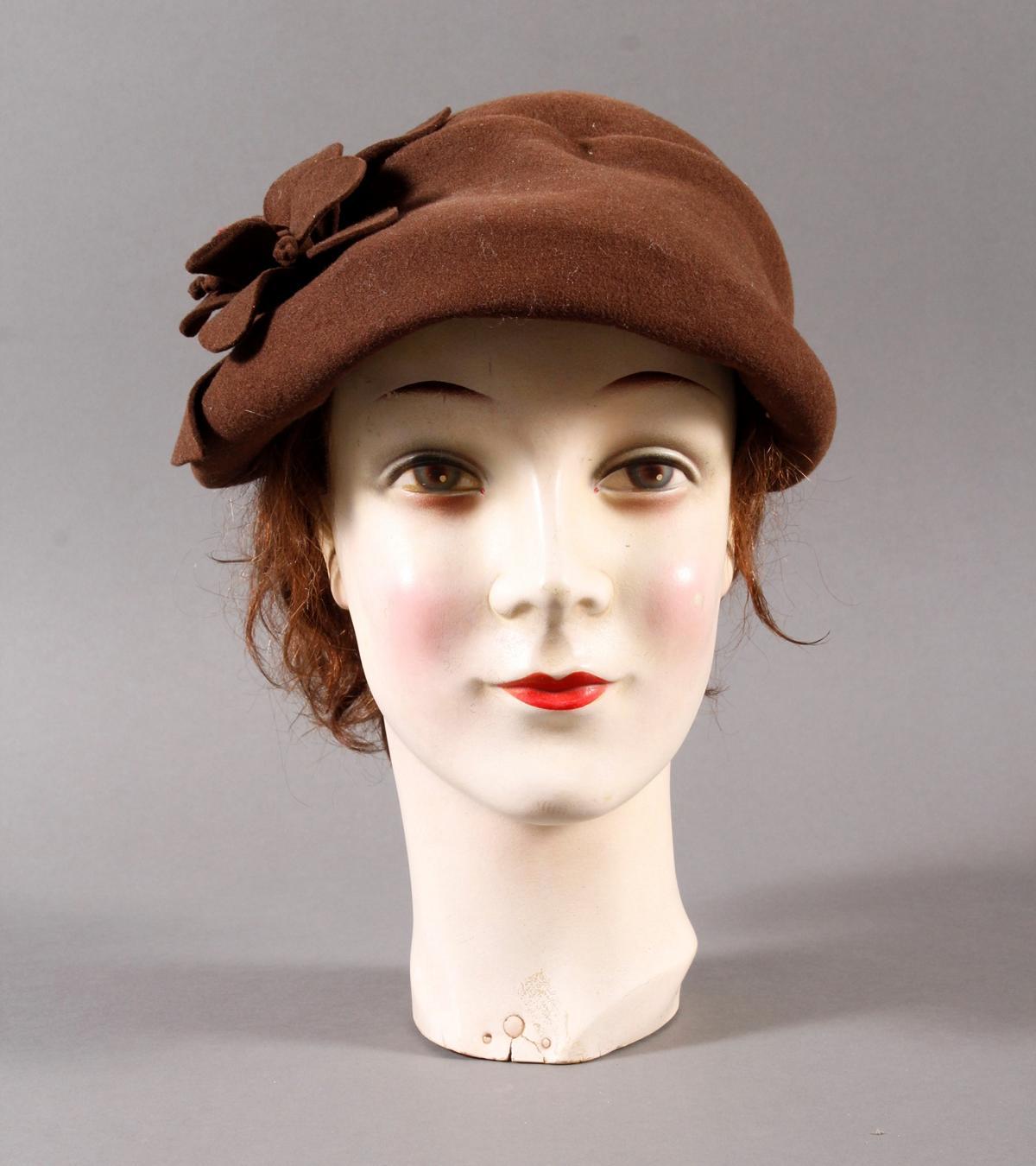 Schaufenster Büste für Damenhüte ,Deutsch um 1940-1950