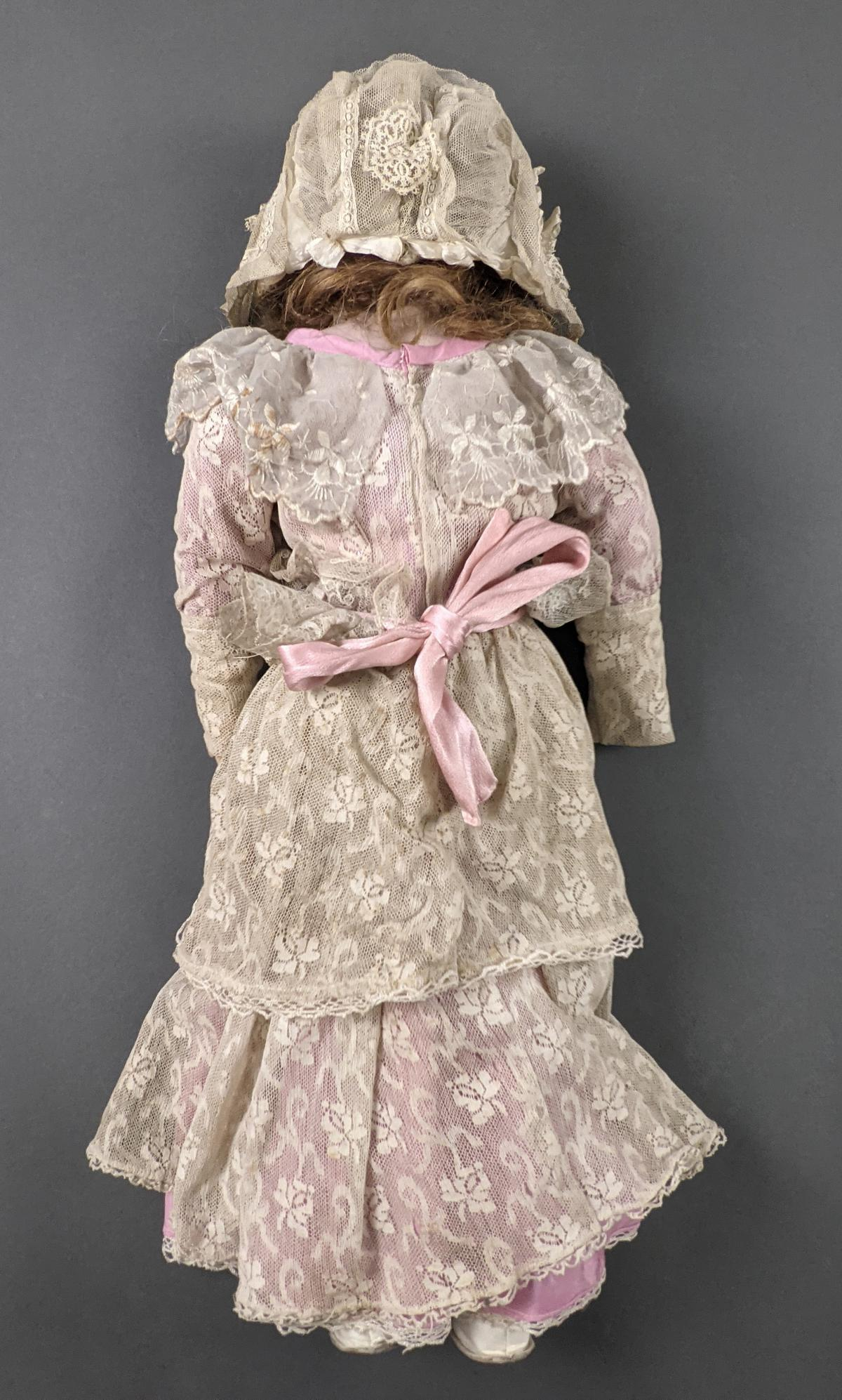Porzellan-Schulterkopf-Puppe, gemarkt P. H. 5 1904-3