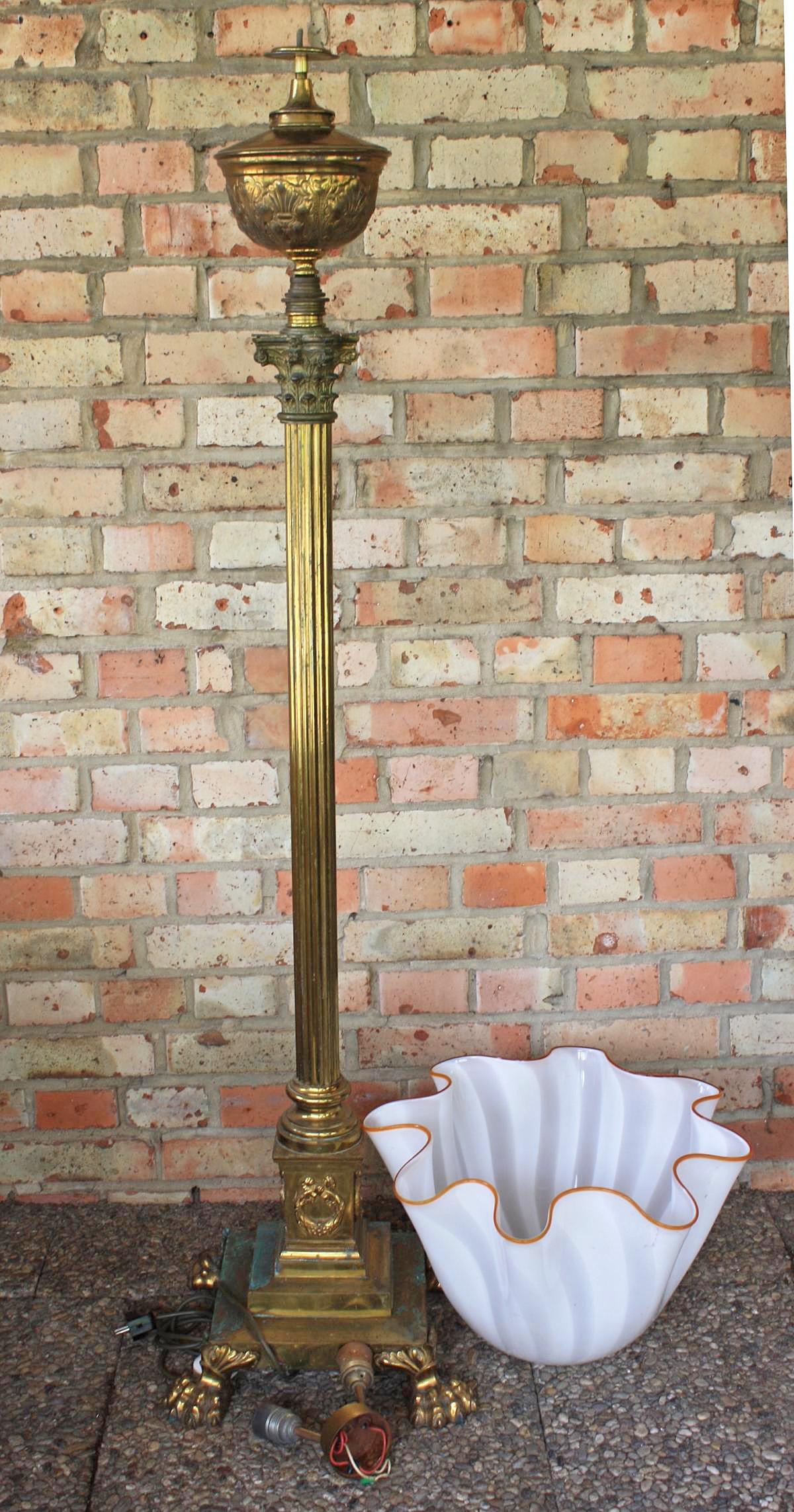 Empire Stehlampe, Petroleumlampe, Bronze Feuervergoldet