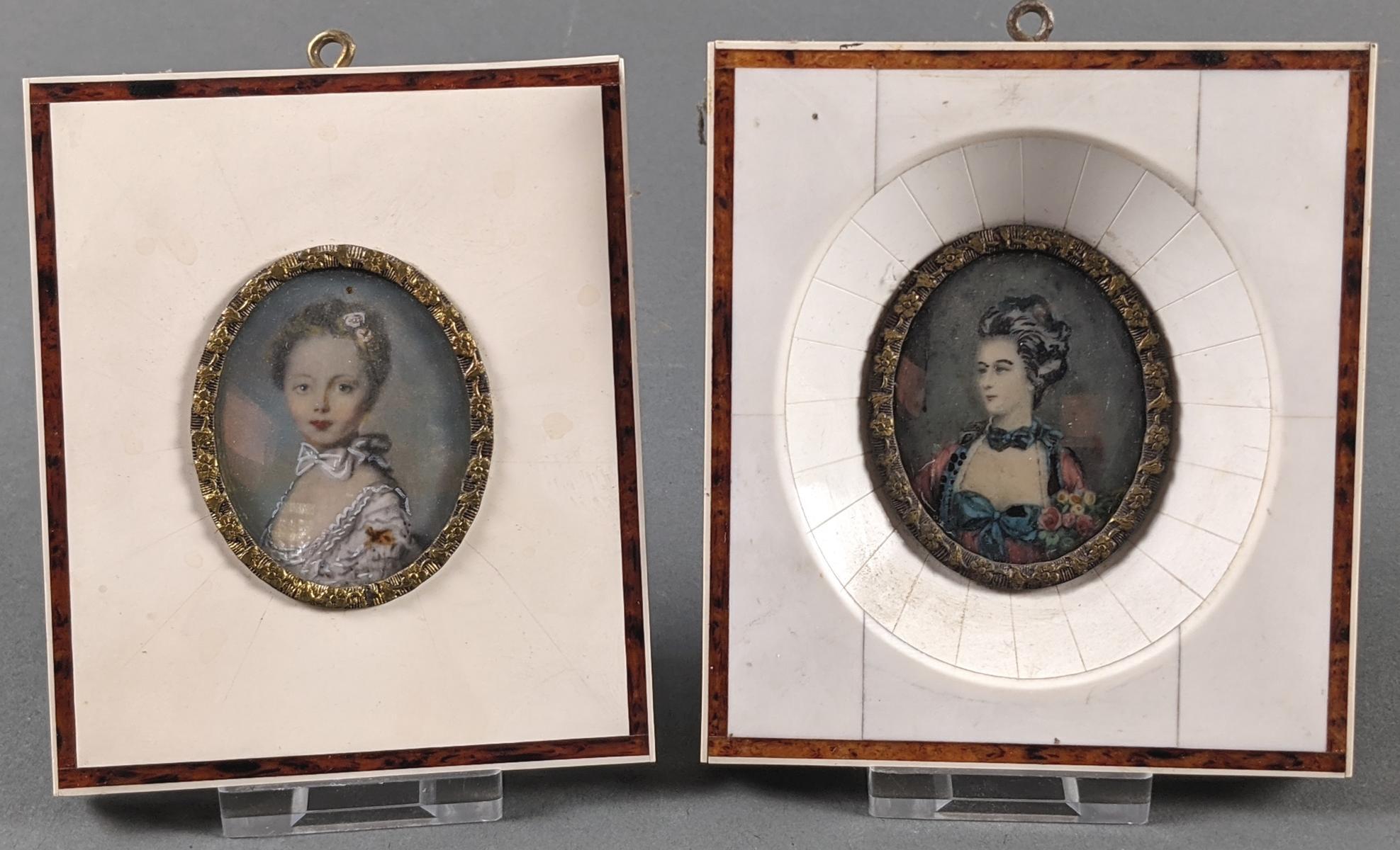 2 Elfenbeinminiaturen um 1900, 2 Damenportraits