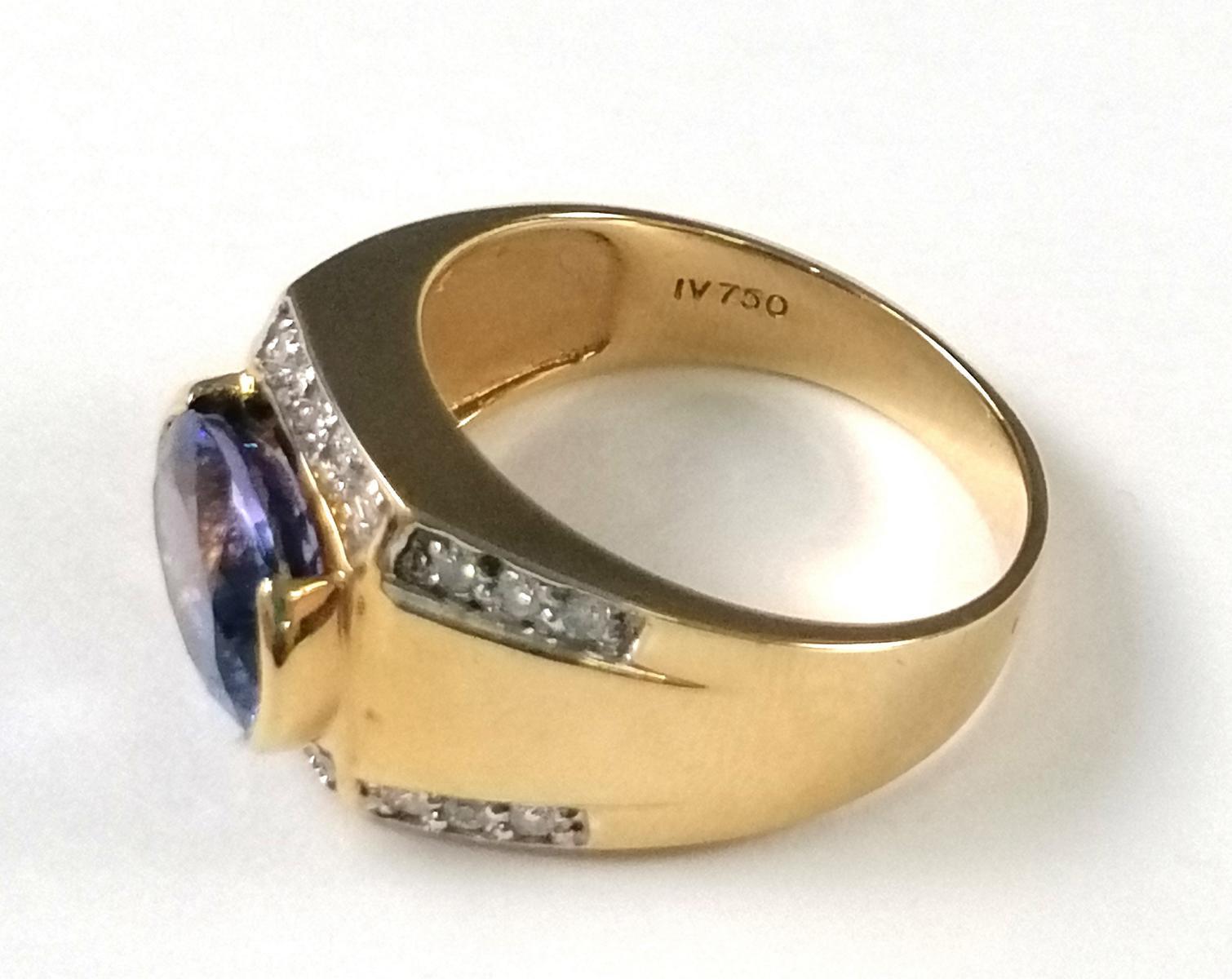 18 Karat Gelbgoldring mit Diamanten und großem Saphir-4