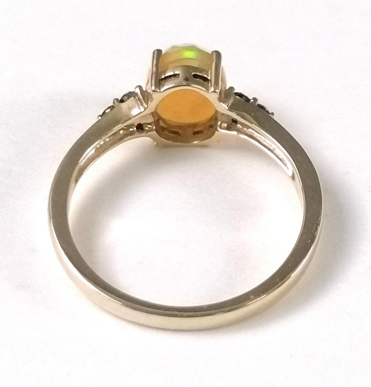 14 Karat Gelbgoldring mit facettiertem Opal und Diamanten-2
