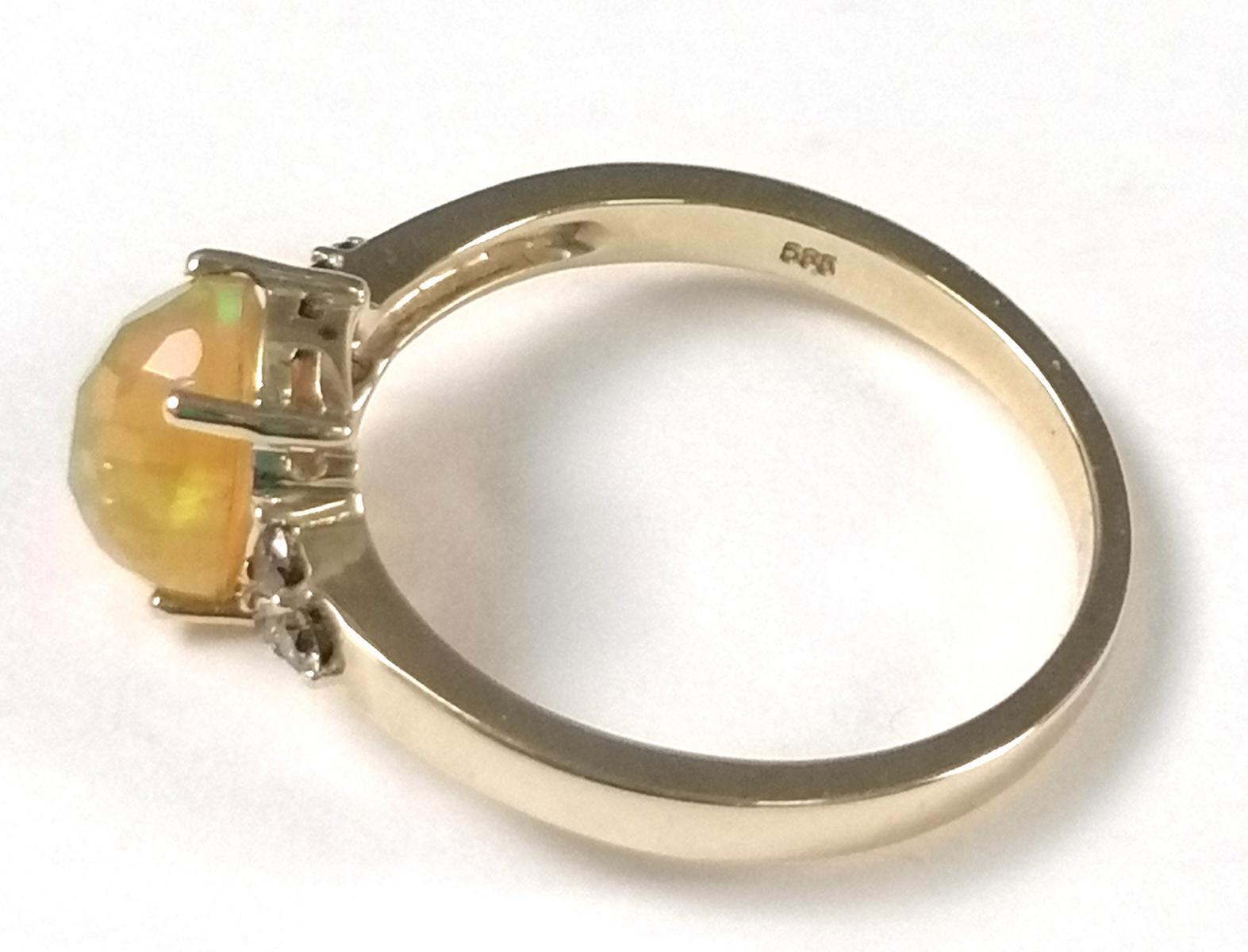 14 Karat Gelbgoldring mit facettiertem Opal und Diamanten-4