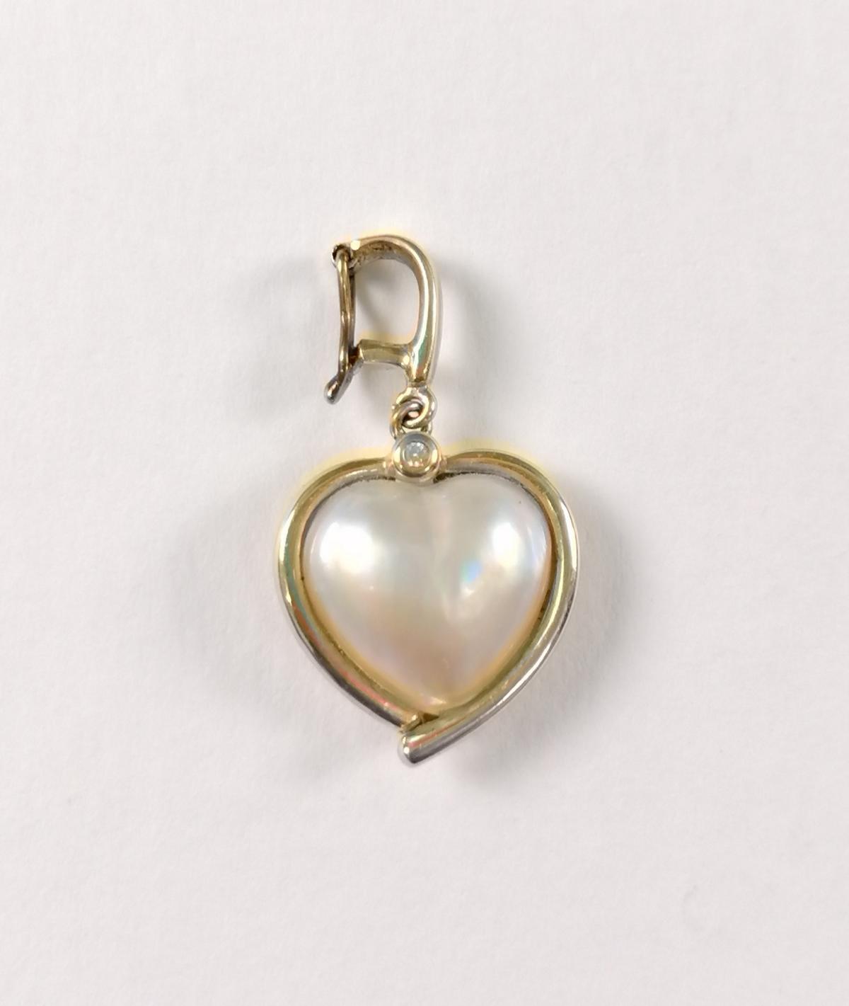 Anhänger in Herzform mit Mabé-Perle, 14 Karat Gelbgold