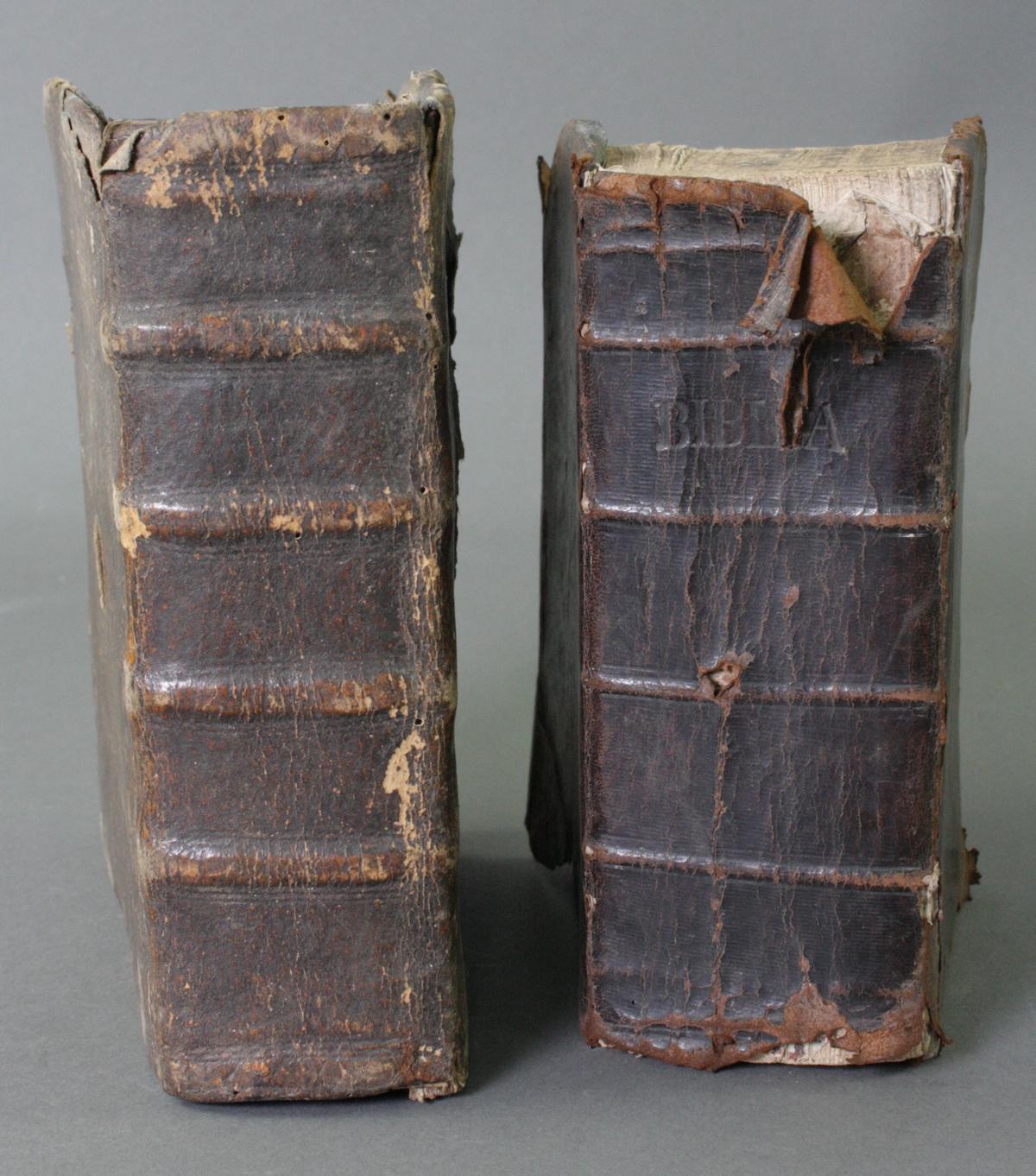 2 Bibeln 17. und 19. Jahrhundert-2