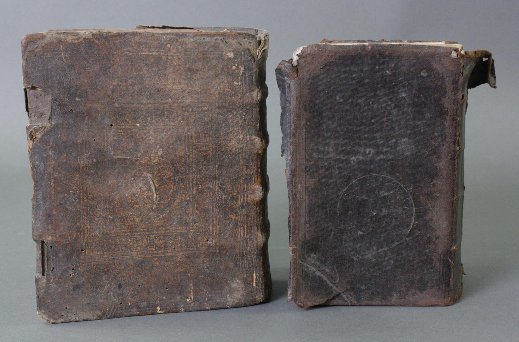 2 Bibeln 17. und 19. Jahrhundert-3